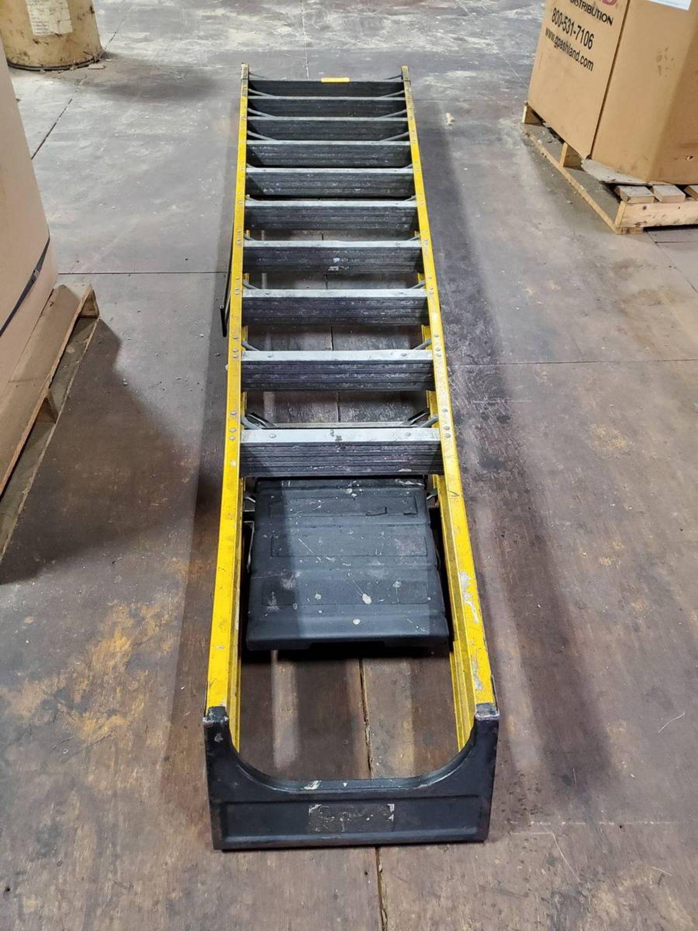 Lot 33A - Bauer Ladder