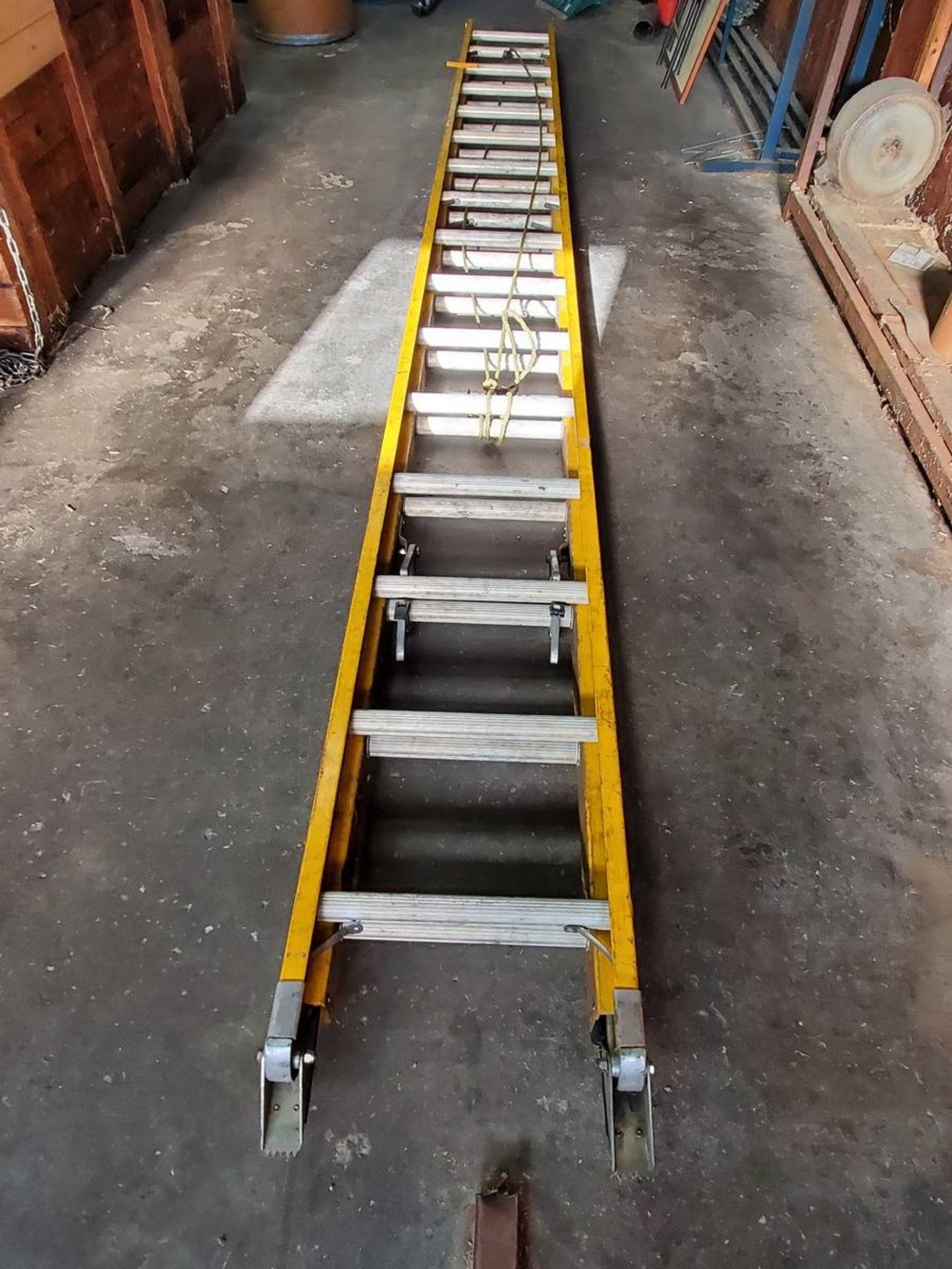 Lot 29 - Bauer Ladder
