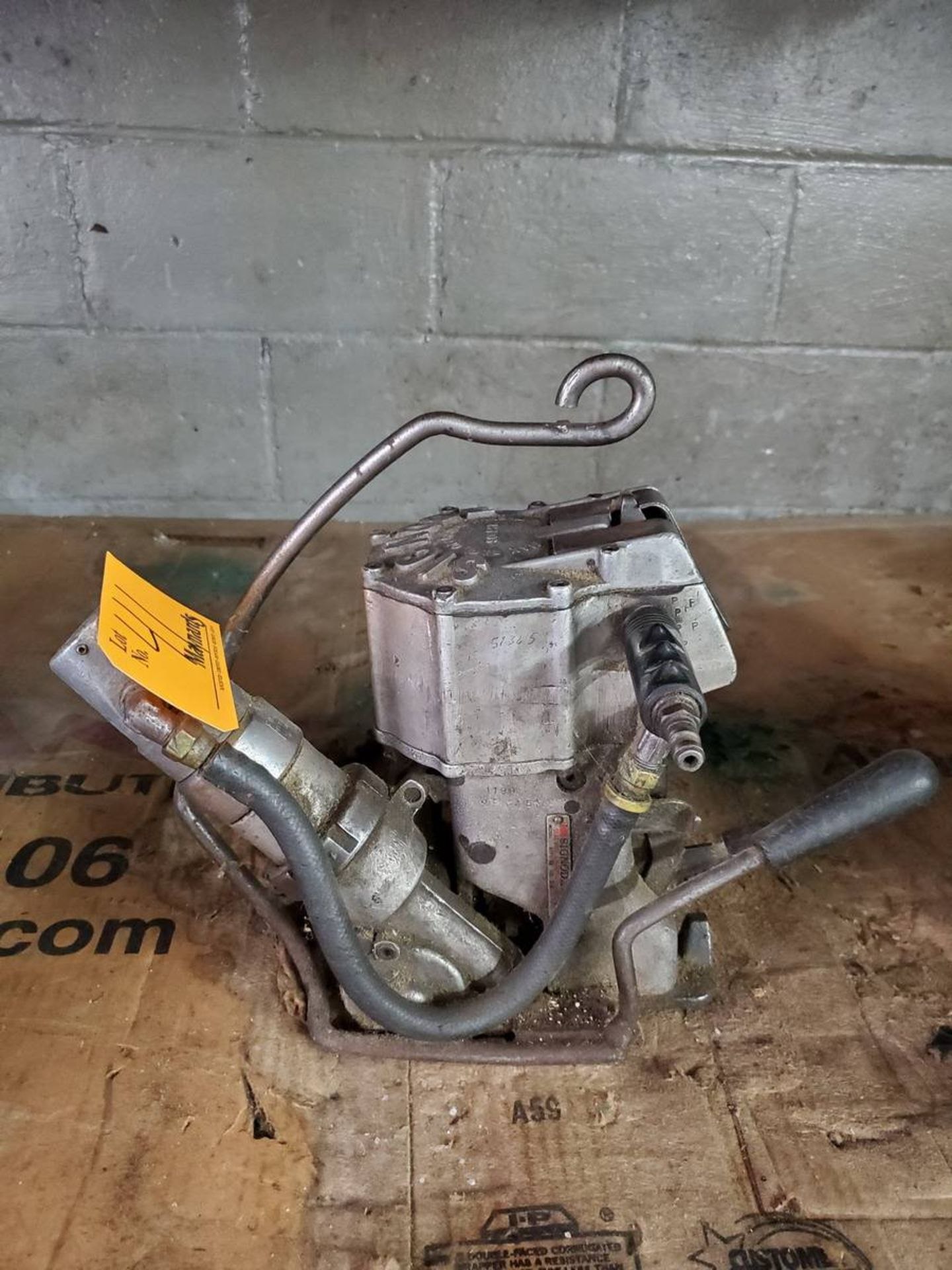 Lot 41 - Signode Pneumatic Combination Strapping Tool