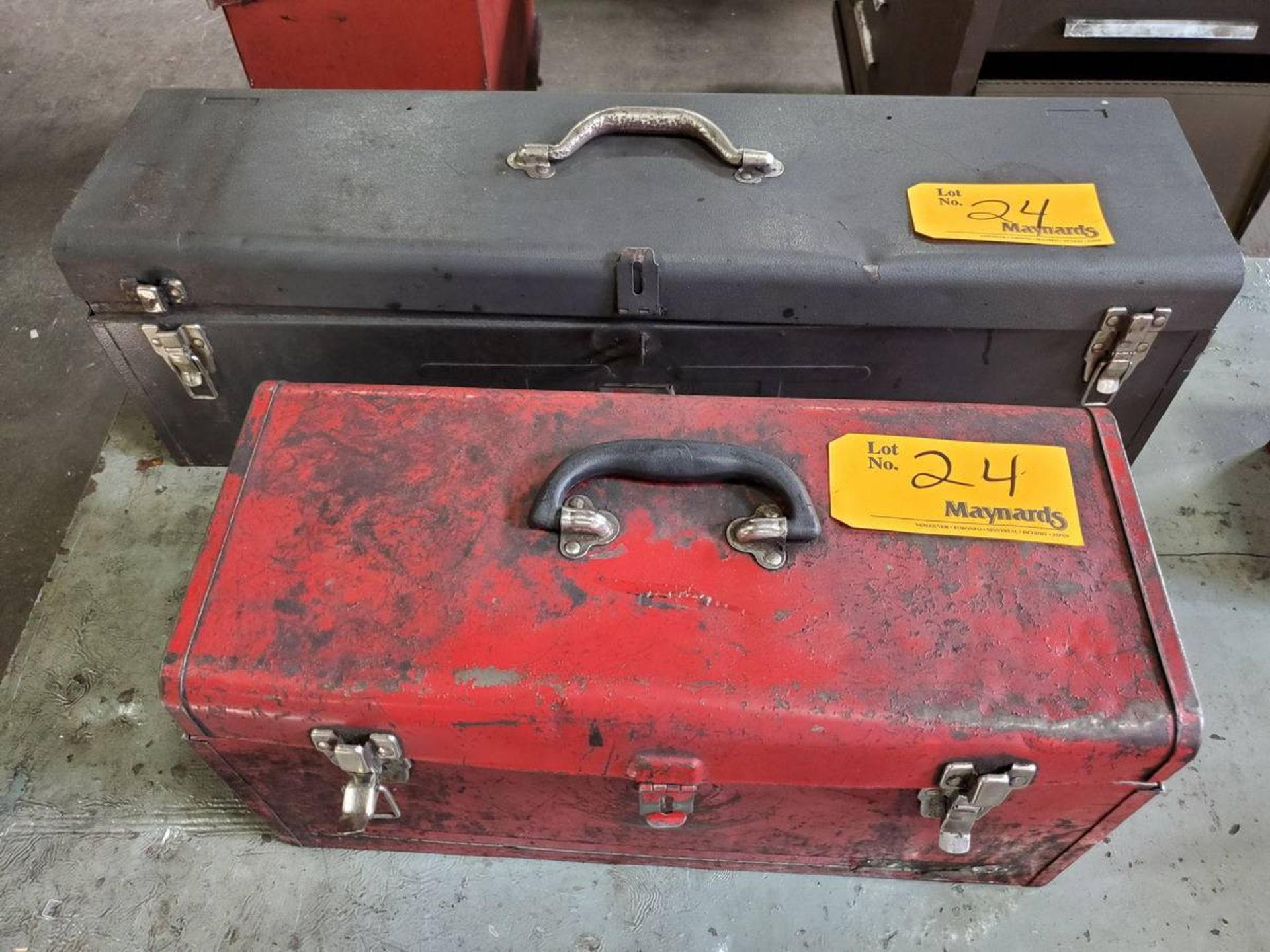 Lot 24 - Hand Carry Toolbox