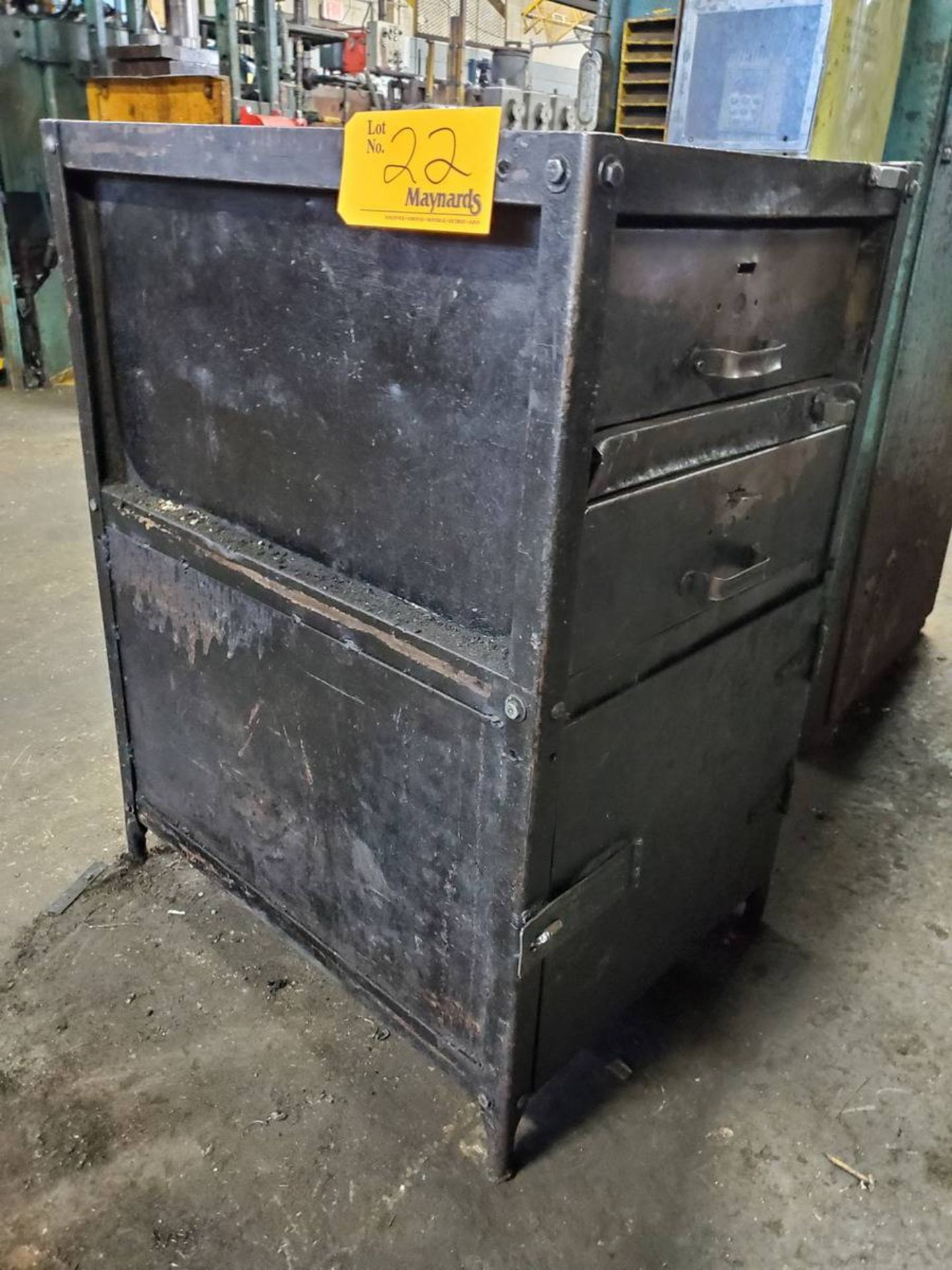 Lot 22 - 2-Drawer Toolbox