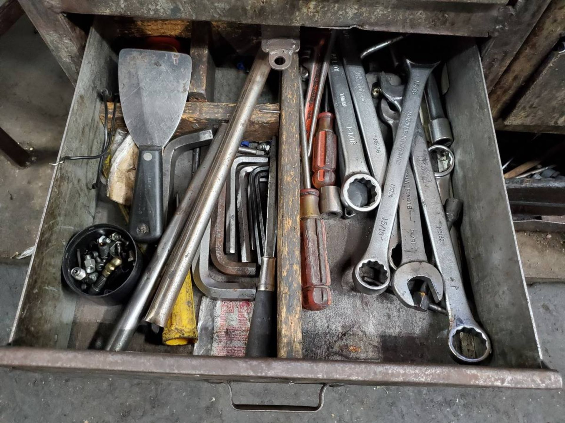 Lot 21 - 2-Drawer Toolbox