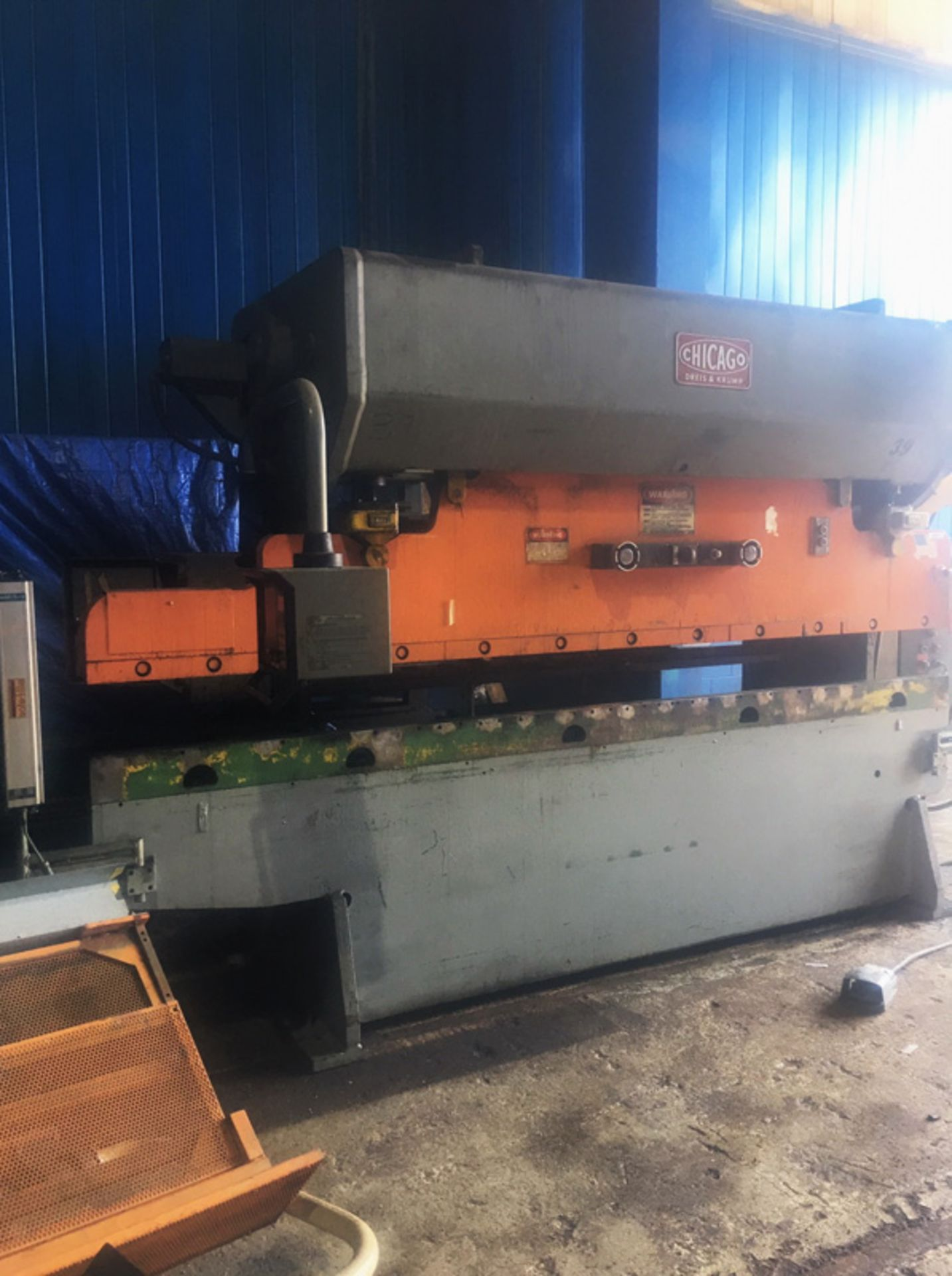 Lot 39 - Chicago CNC Air Clutch Press Brake | 90-Ton x 12', Mdl: 810-L, S/N: L-19376 - 8649P