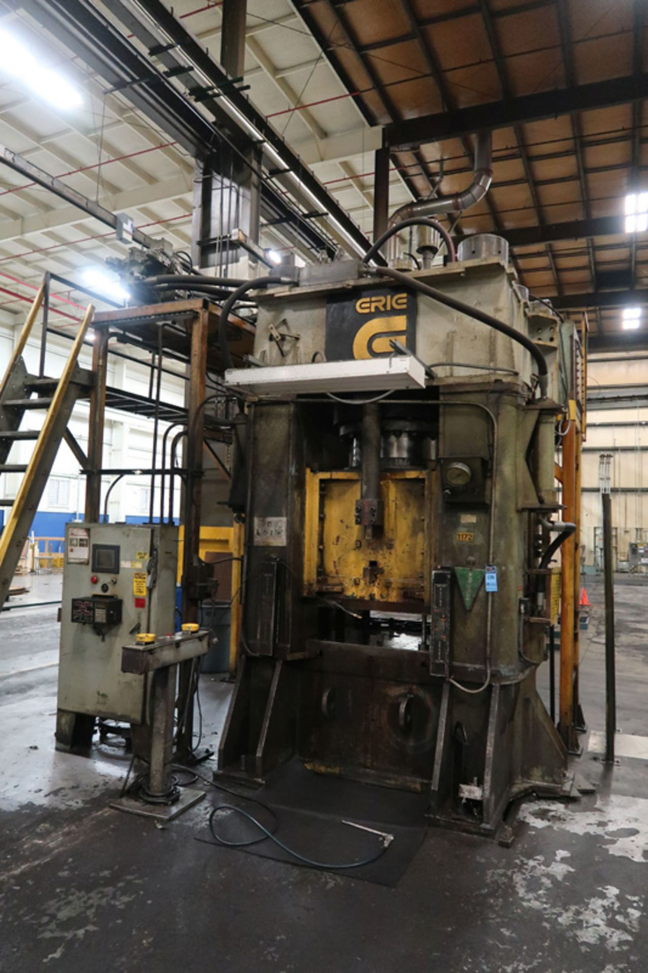 "Lot 21 - 1979 Erie Straight Side Hydraulic Press | 1,000-Ton x 42"" x 42"", Mdl: #1000, S/N: 29-1369 - 8373P"