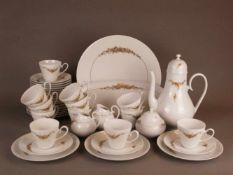 Kaffeeservice Rosenthal für 12 Personen - Rosenthal studio linie, Form 'Romanze', mit Golddekor,