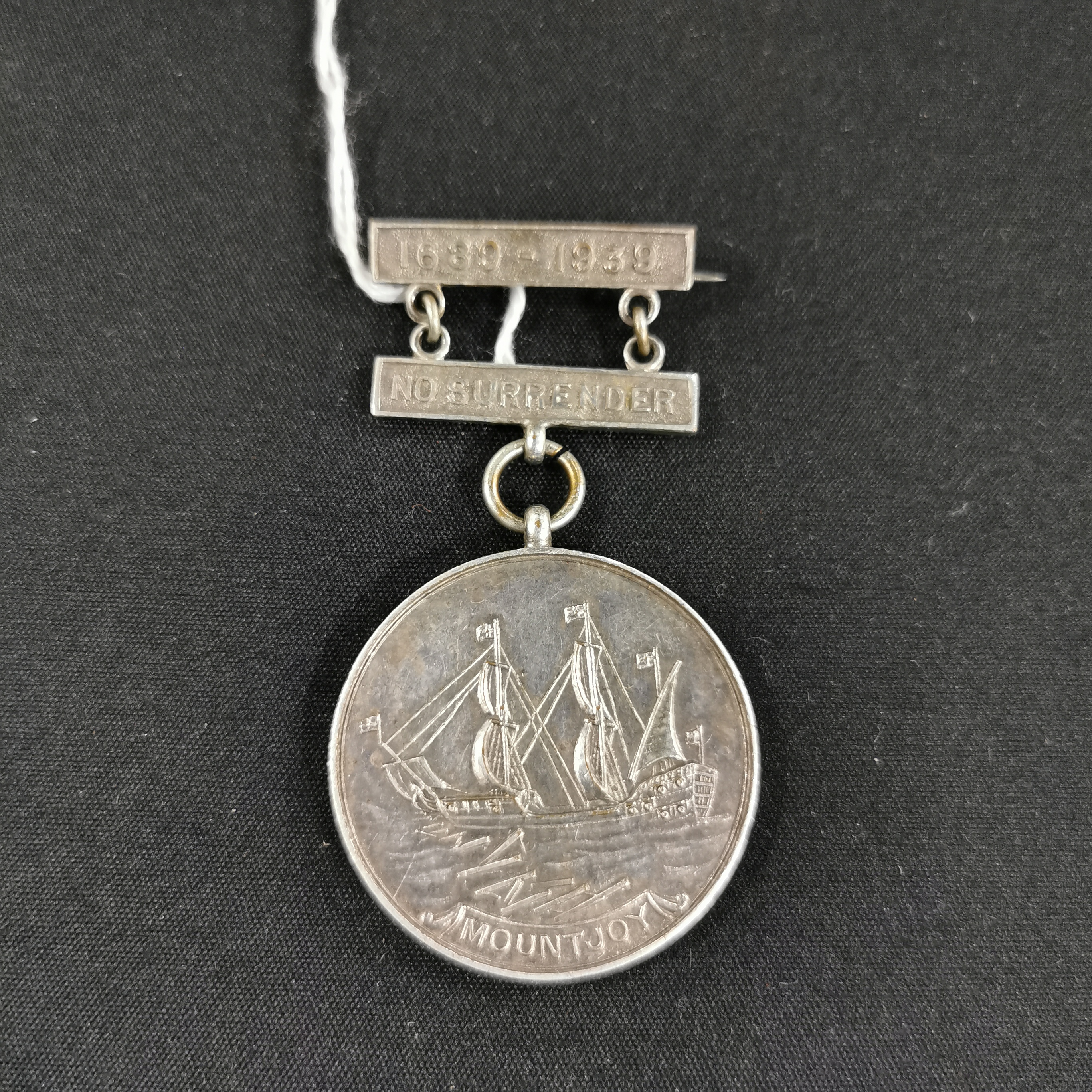 Lot 52 - RELIEF OF DERRY MEDAL 1939 TYPE