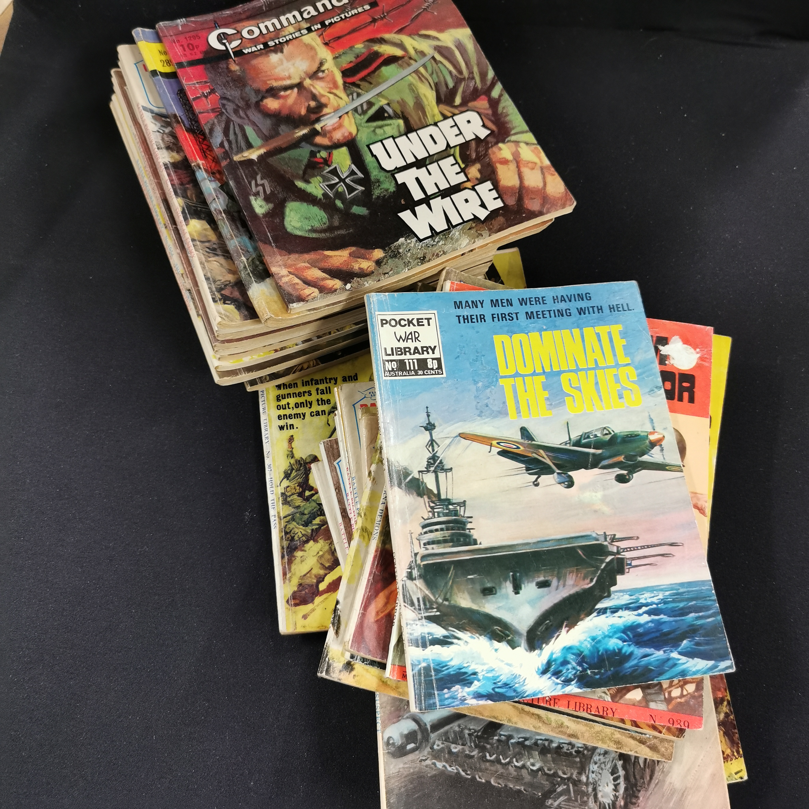 Lot 312 - BOX OF COMMANDO COMICS