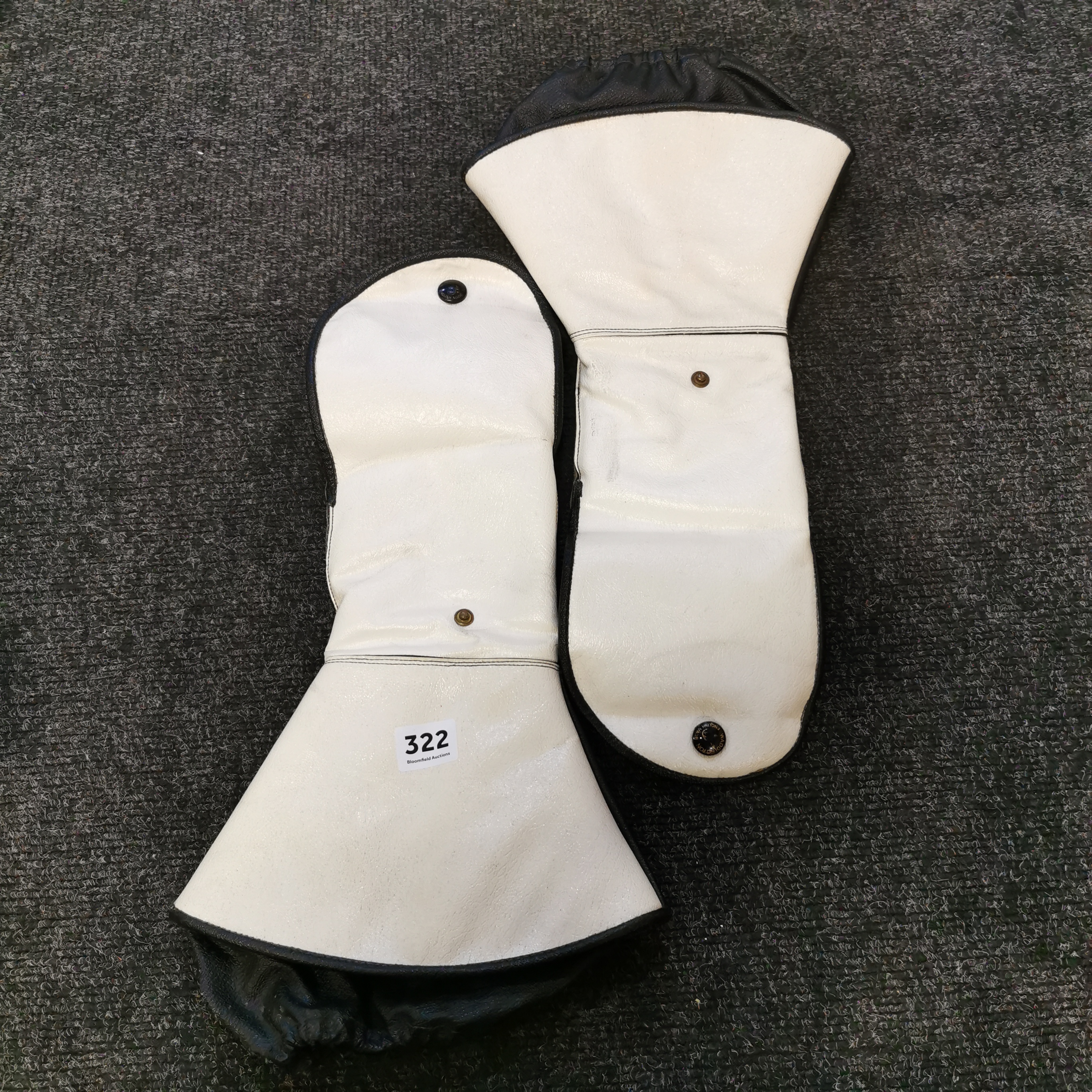 Lot 322 - RUC MOTORCYCLE GAUNTLETS