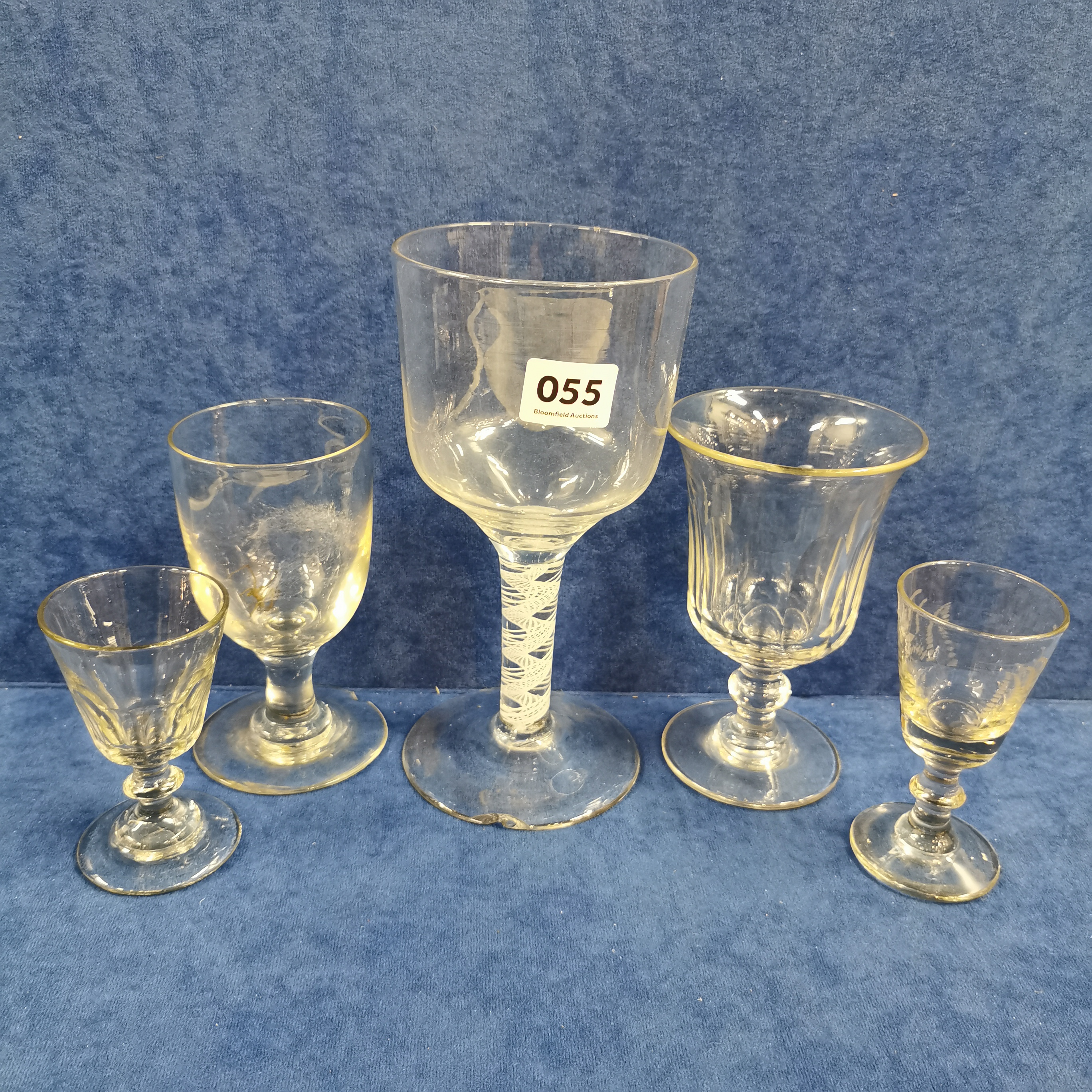 Lot 55 - QUANTITY OF ANTIQUE GLASSES TO INCLUDE AIRTWIST