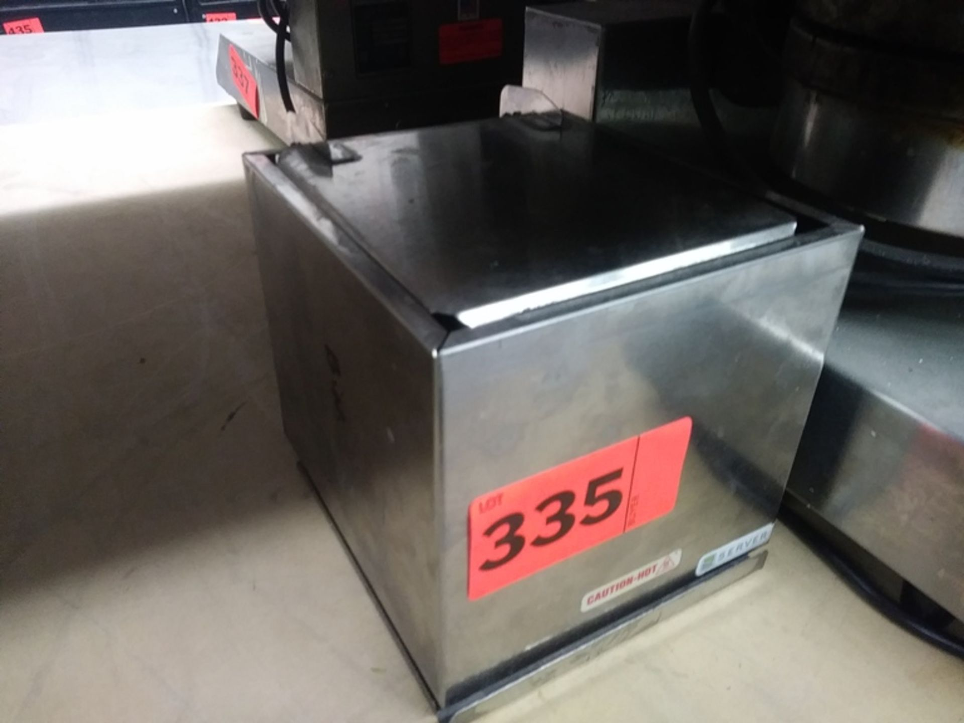 Lot 335 - SERVER ELECTRIC WARMER (DI-1)