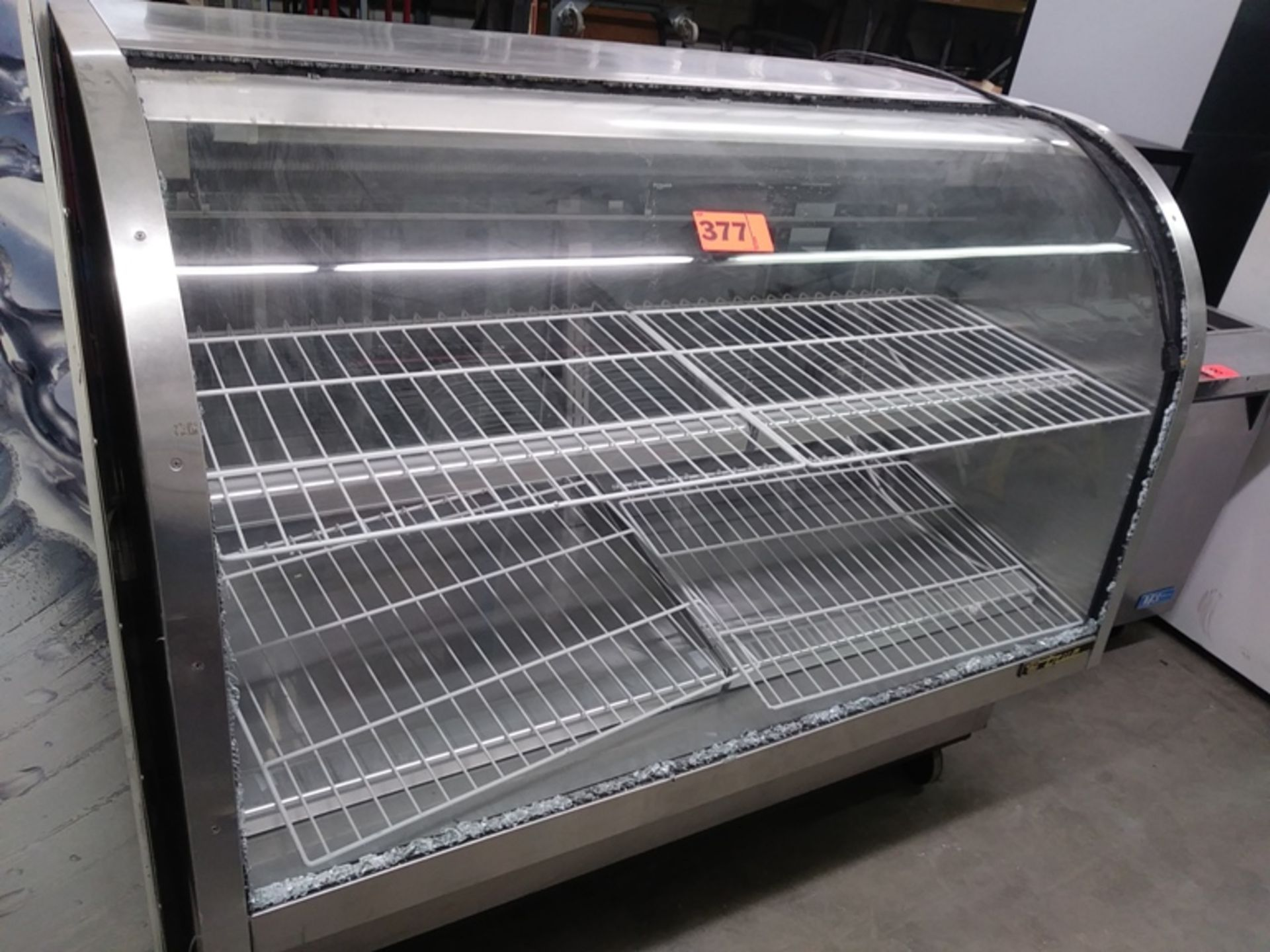 "Lot 377 - TRUE 5FT GLASS DELI CASE (TCGG 60S) ( 60"" L X 33"" D X 53"" H)"
