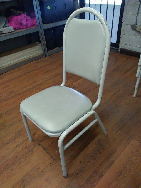 "Lot 343 - WHITE BANQUET CHAIRS (QTY X MONEY) (17"" W X 18"" D X 19"" H)"