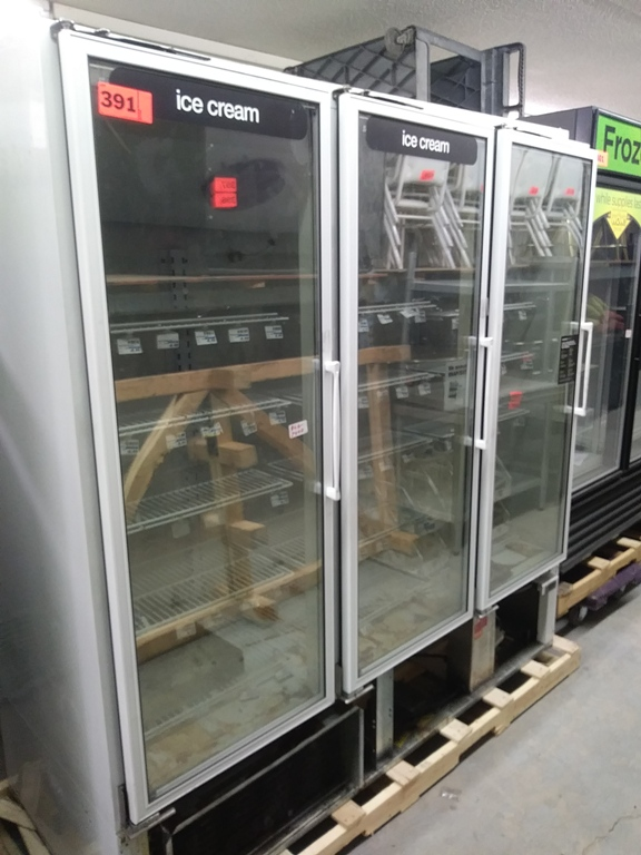 "Lot 391 - MASTER-BILT 3 DOOR FREEZER (BLG-74-HD) (75"" L X 33"" D X 79"" H)"