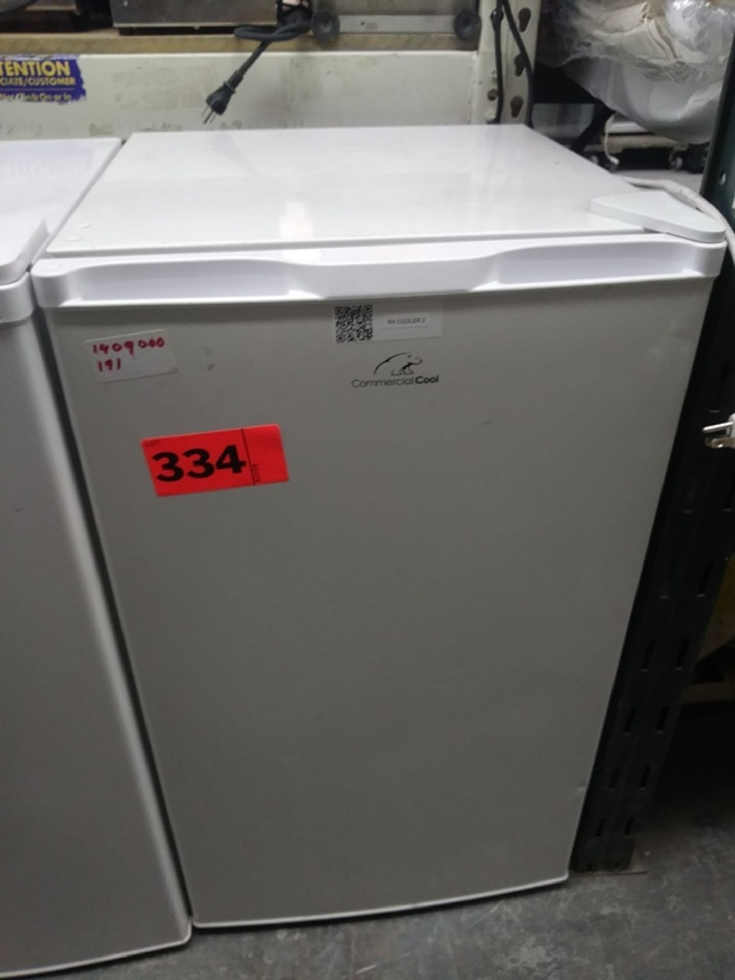 """Lot 334 - COMMERCIAL COOL HOUSEHOLD (19"""" W X 21"""" D X 33"""" H)"""