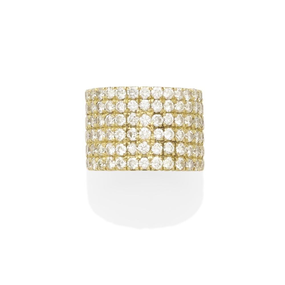 Lot 22 - A diamond ring