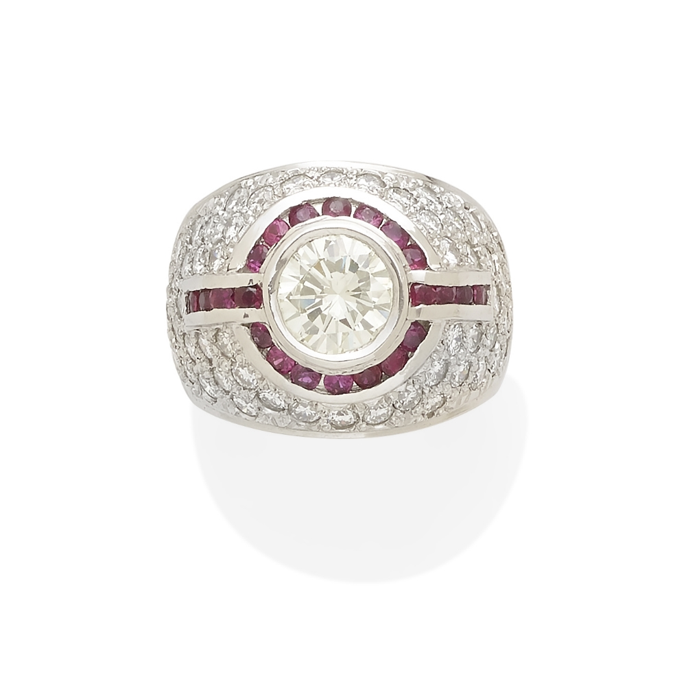 Lot 53 - A diamond and ruby ring