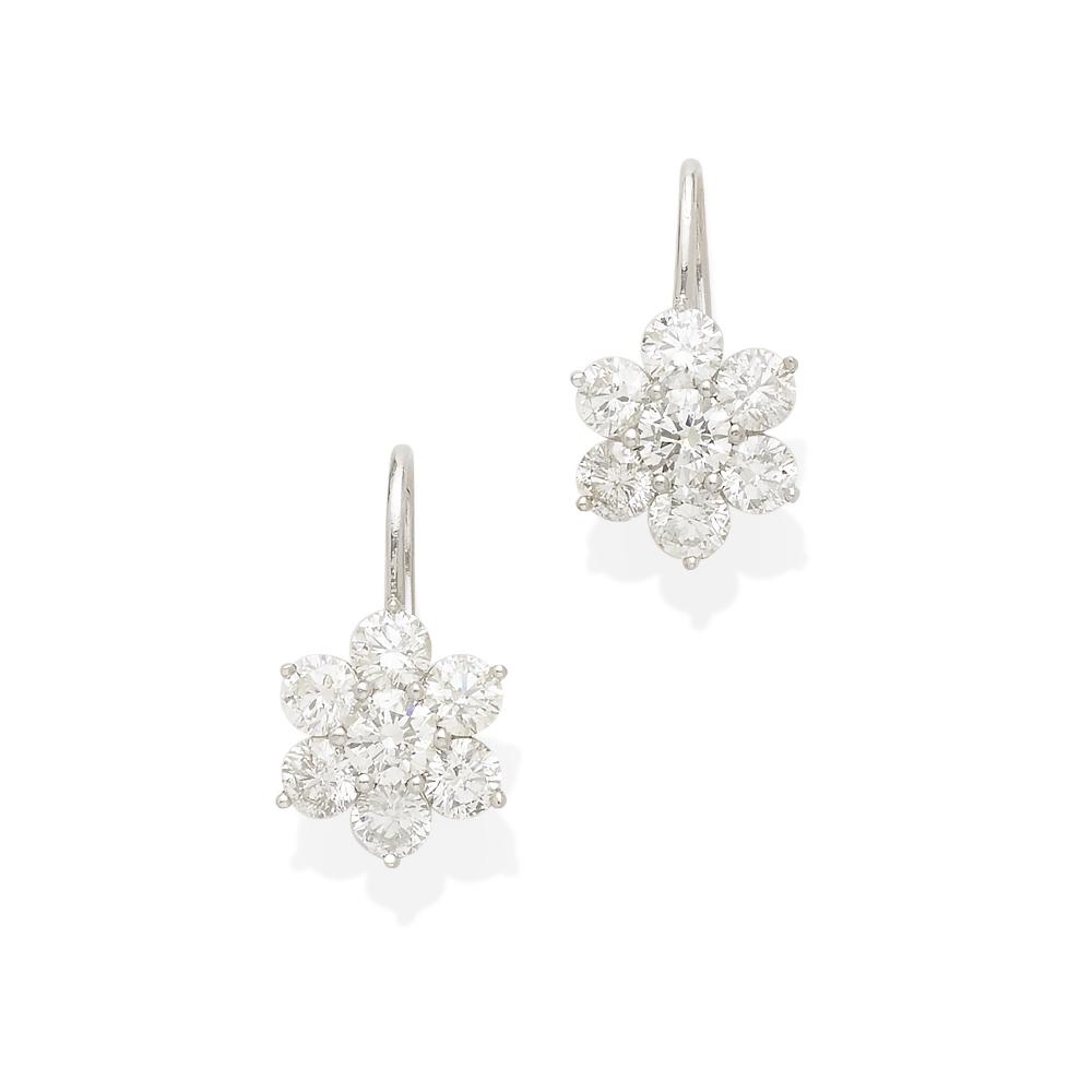 Lot 39 - A pair of diamond ear pendants