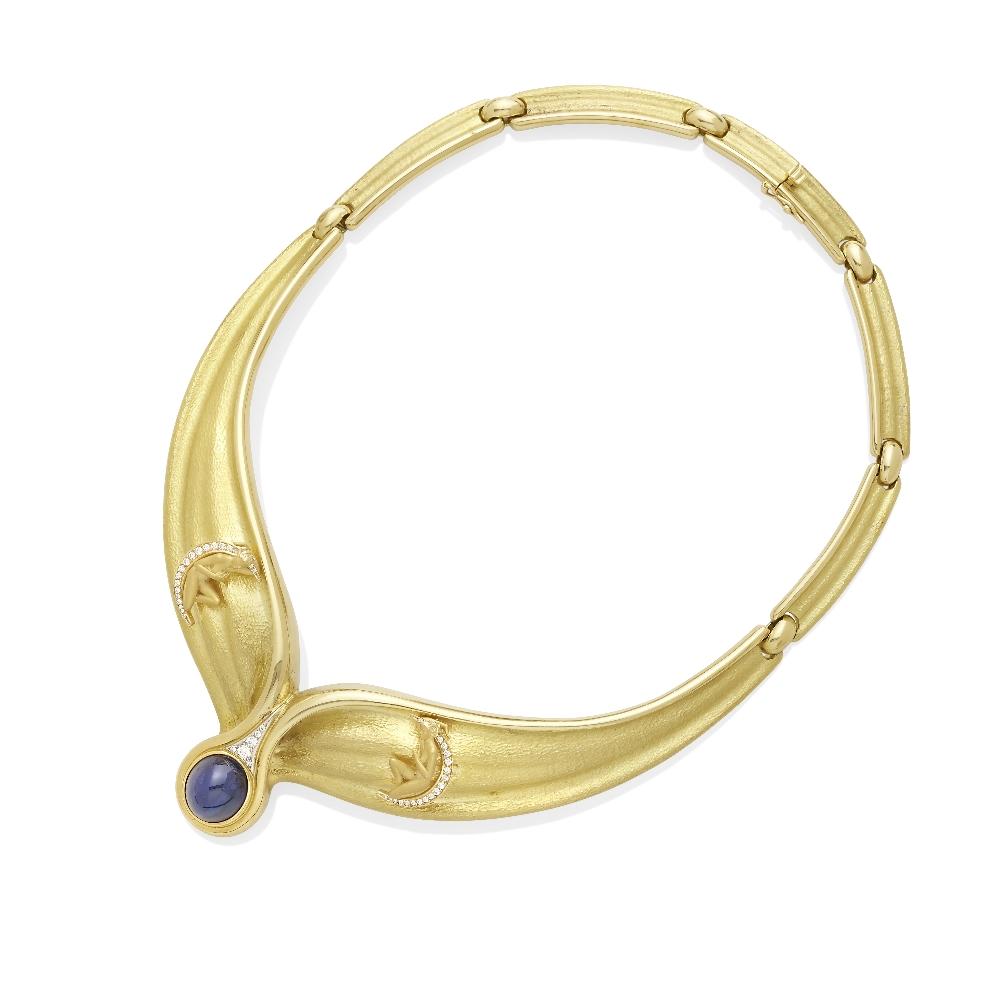Lot 5 - A cabochon sapphire and diamond necklace, Carrera Y Carrera