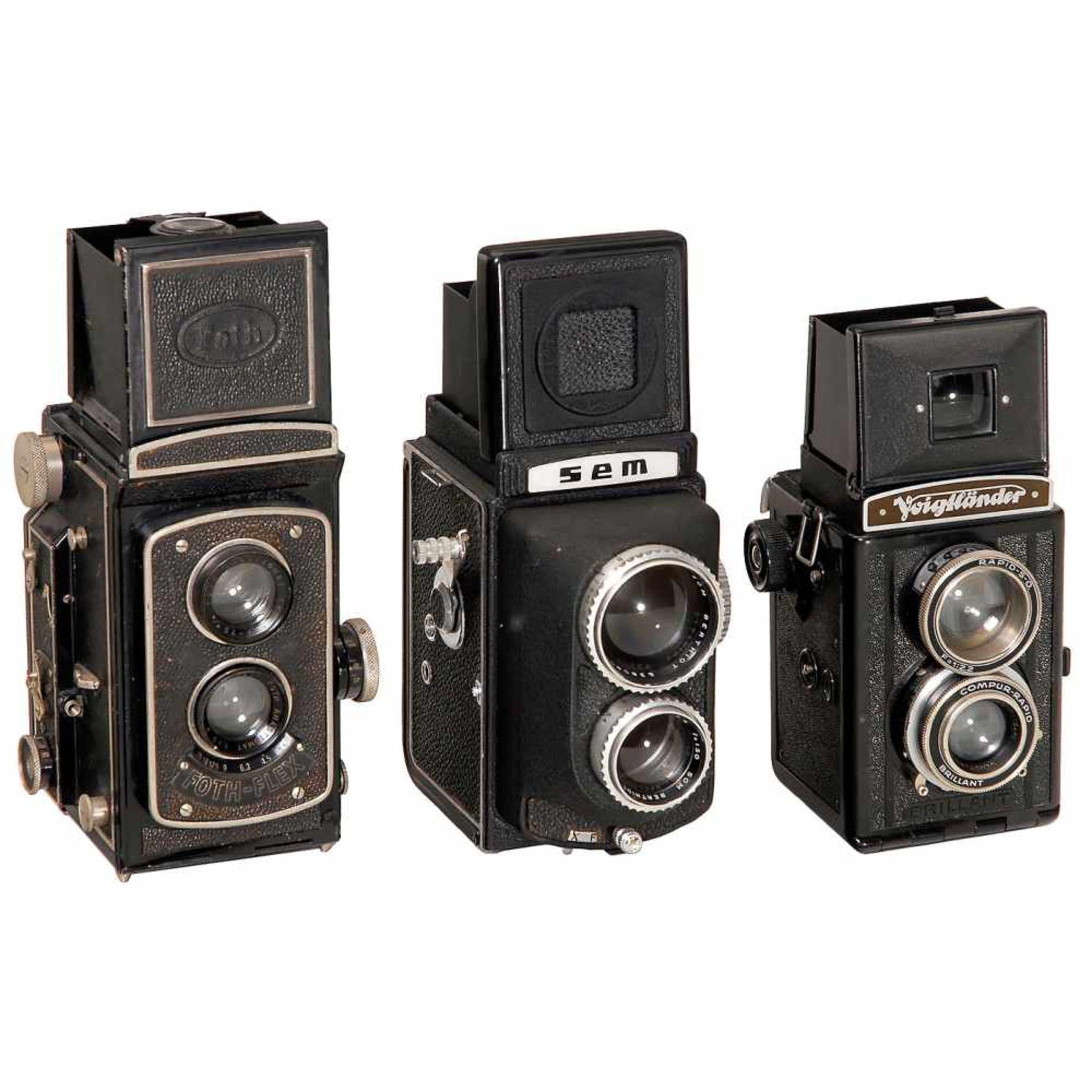 3 TLR Cameras1) Foth, Berlin. Foth-Flex, 1933. Foth Anastigmat 3,5/75 mm, focal plane shutter,