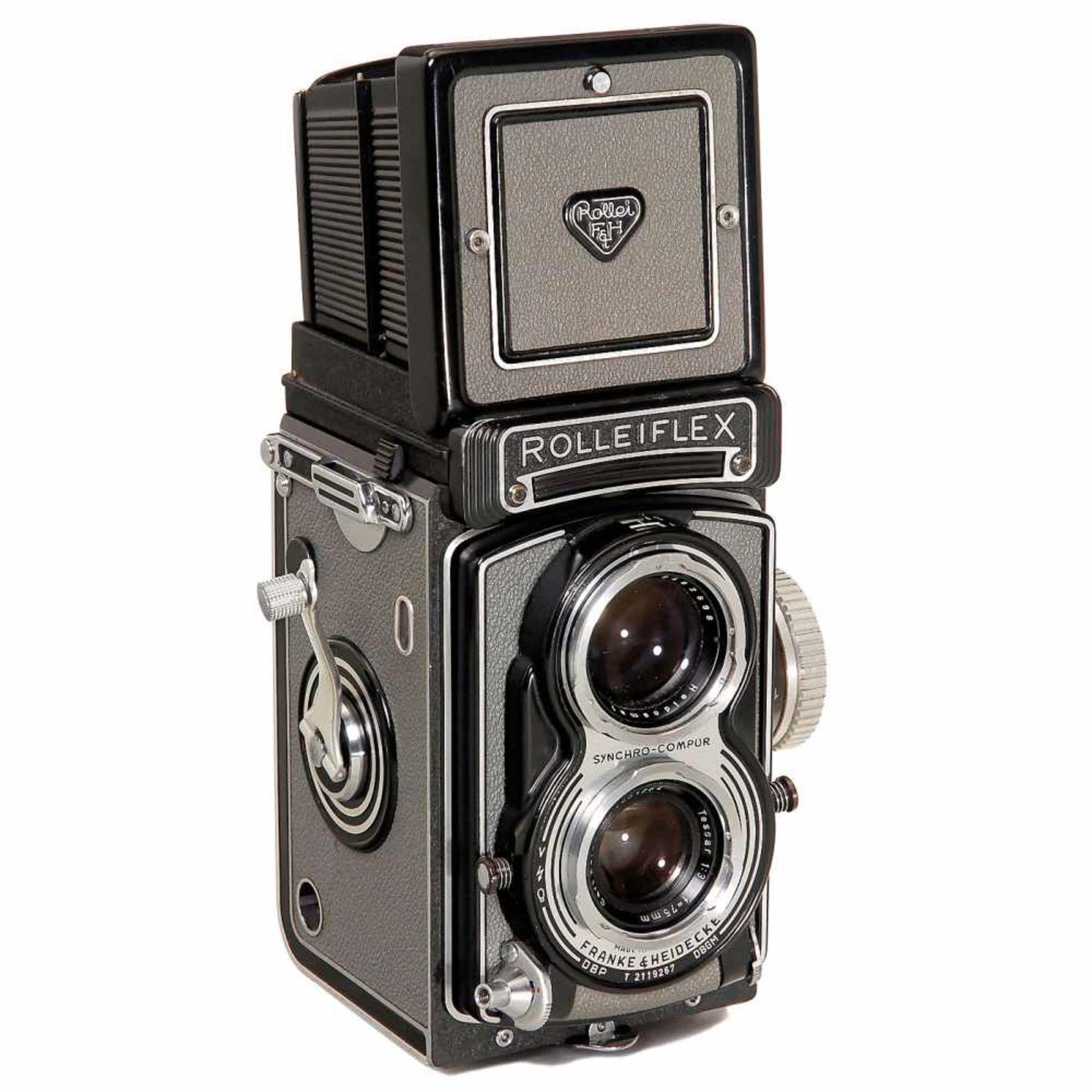 Rolleiflex T (First Model), 1958Franke & Heidecke, Braunschweig. No. T 2119267, first model in grey,