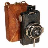 Kolibri (523/18), 1930Zeiss Ikon, Dresden. No. S30980. Compact camera for 3 x 4 cm on 127 film,
