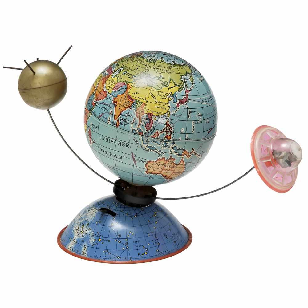 Lot 11 - Globe by Michael Seidel, c. 1958MS-Spielwaren, Zirndorf, Germany. With sputnik and flying saucer