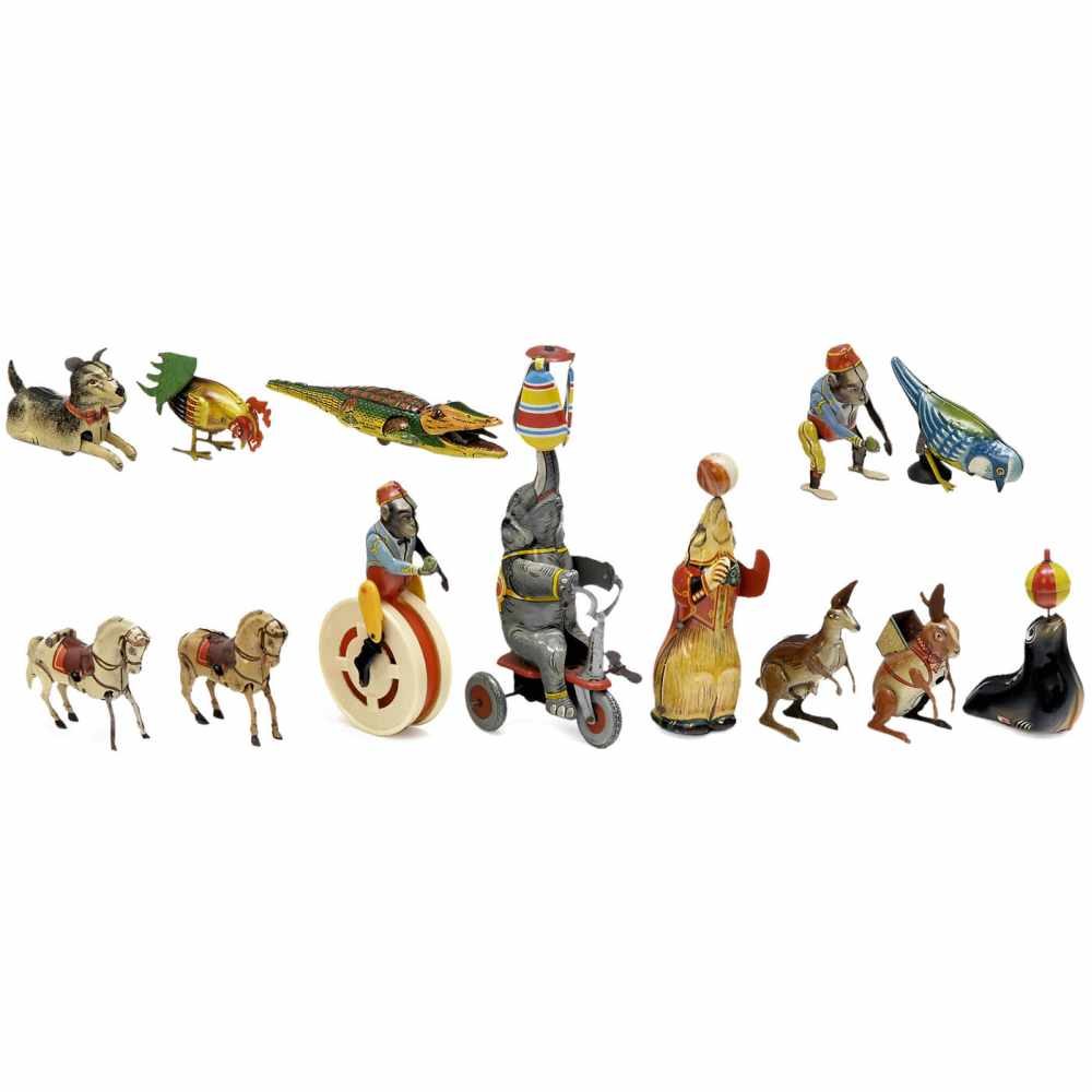 Lot 27 - Mechanical Tinplate Animals, c. 1950Germany. Lithographed tin, mostly spring-driven: Höfler