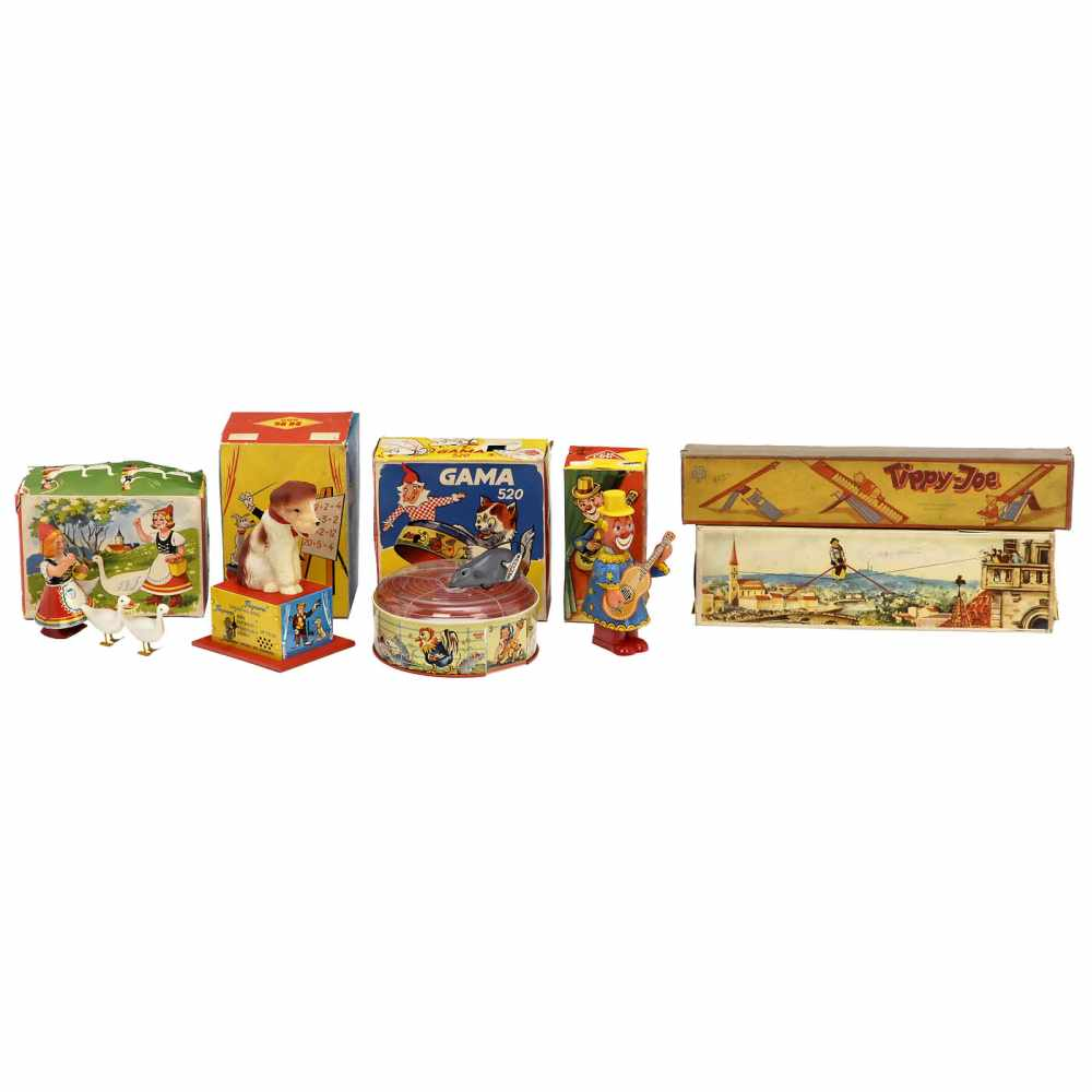 "Lot 28 - Collection of German Toys, c. 1950-601) ""Fips, the Counting Dog"", No. HK 580, Hammerer & Kühlwein,"