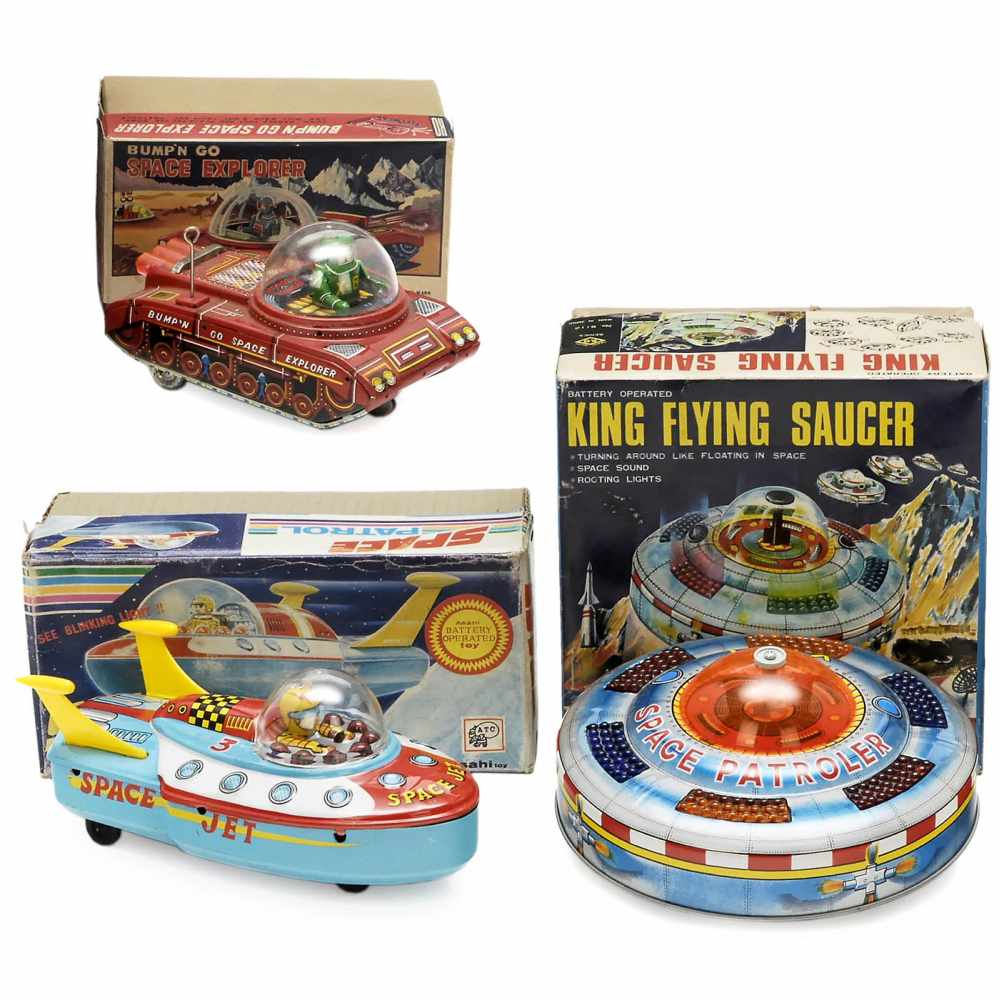 Lot 10 - 3 Japanese Space Toys, c. 1965Lithographed tin and plastic. 1) Bump'n go Space Explorer, Yoshiya K.