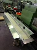 Long bed belt type conveyor with 2 side packing St