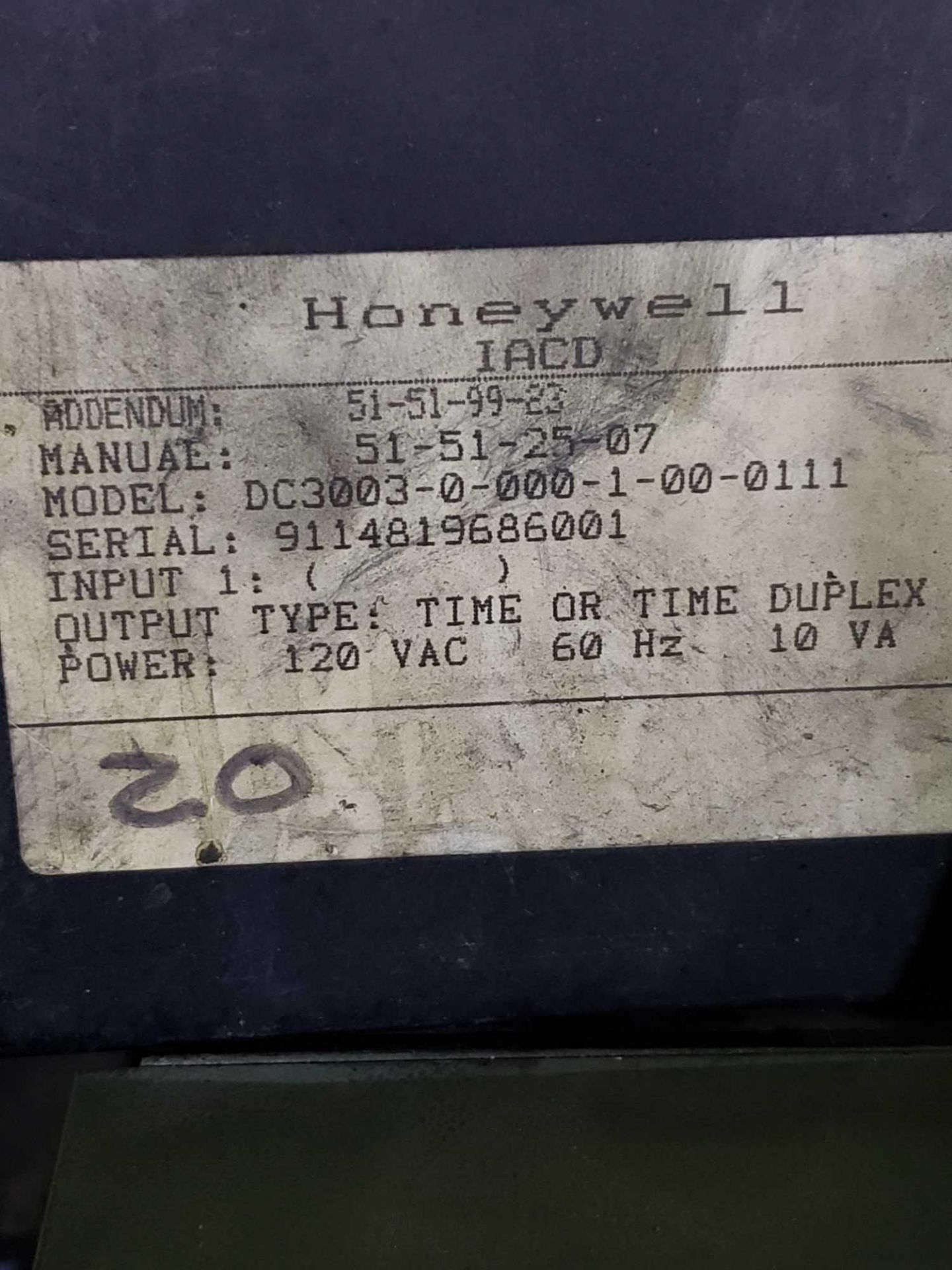 Lot 38 - Qty 3 Honeywell Model DC3003-0-000-1-00-0111. Used.