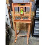 Lot 5 - Central Hydraulics 20 ton shop press