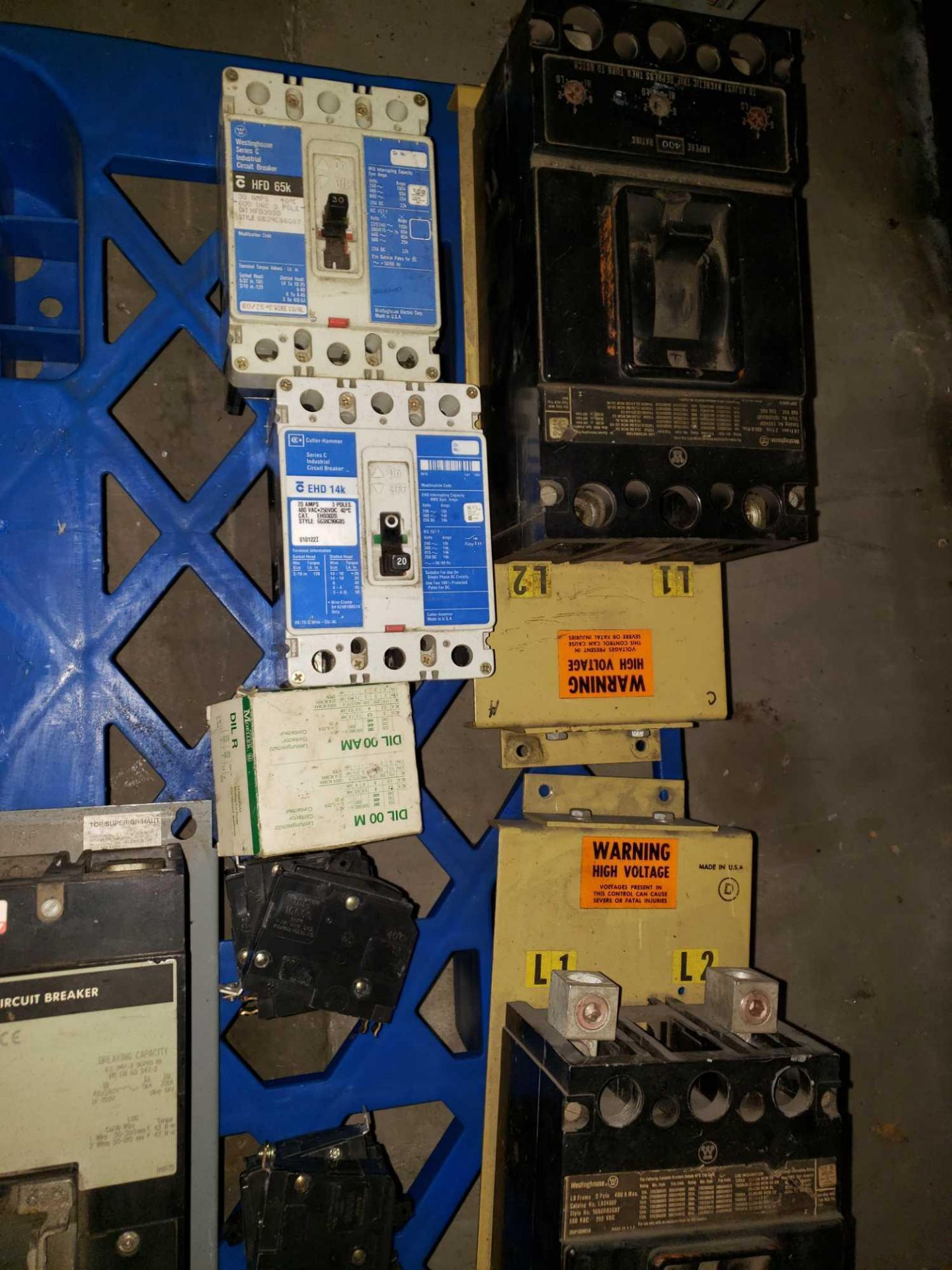 Lot 24 - Qty 29 - Assorted molded case breakers up to 400amp
