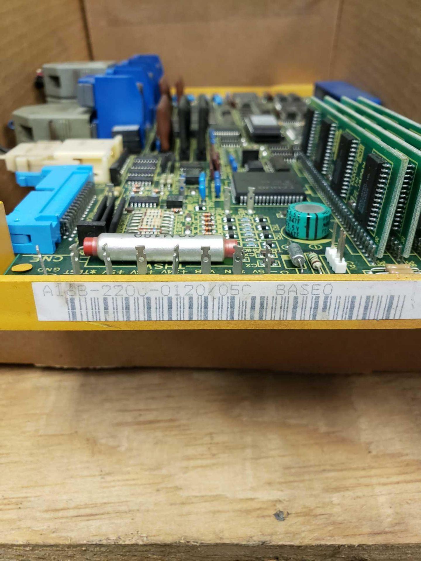 Lot 32 - Fanuc A16B-2200-0120/05C control board