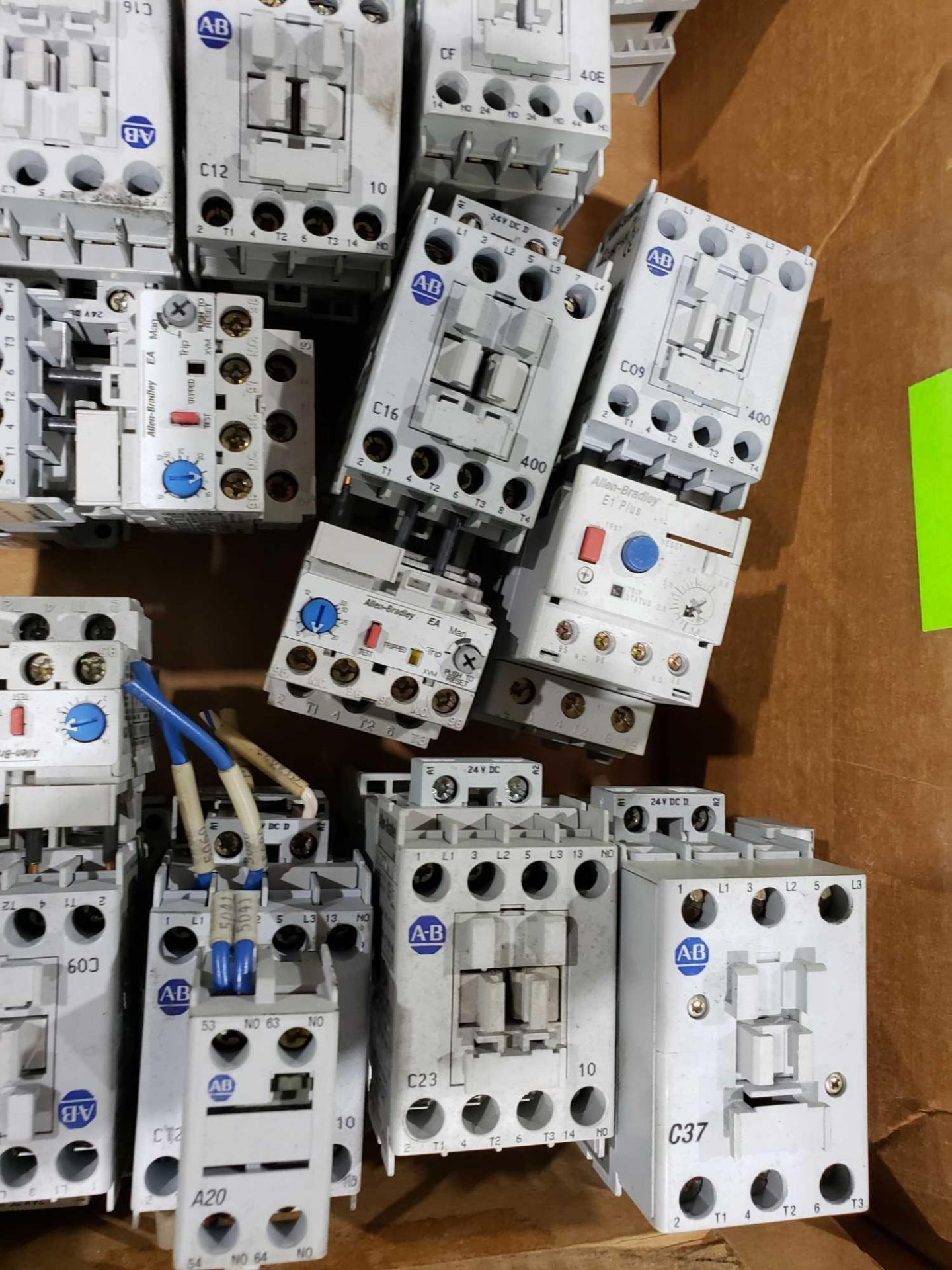 Lot 18 - Large Qty of Allen Bradley Contactors in assorted sizes and part numbers.