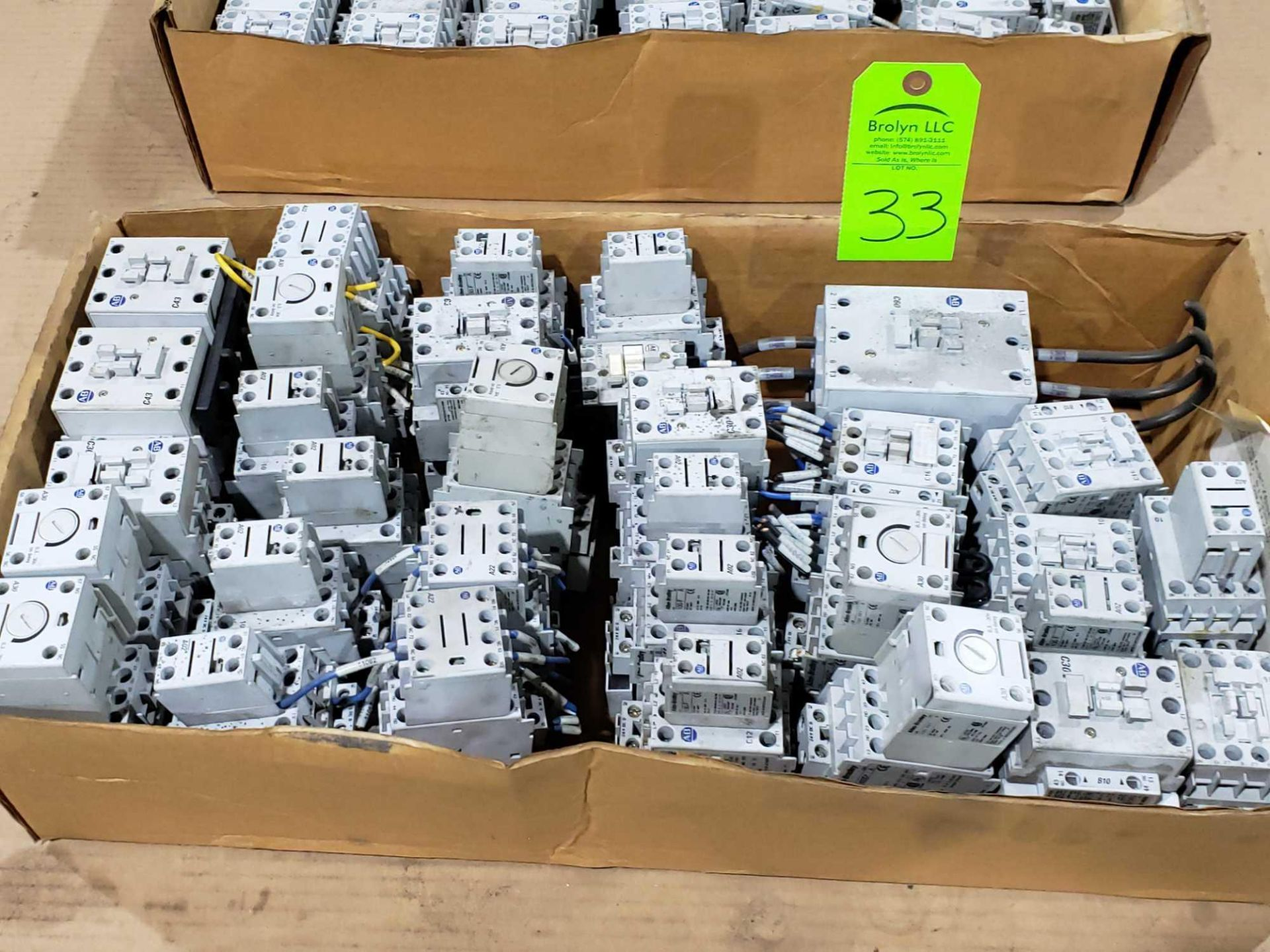Lot 33 - Large Qty of Allen Bradley Contactors in assorted sizes and part numbers.