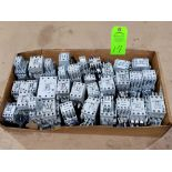 Lotto 14 - Large Qty of Allen Bradley Contactors in assorted sizes and part numbers.