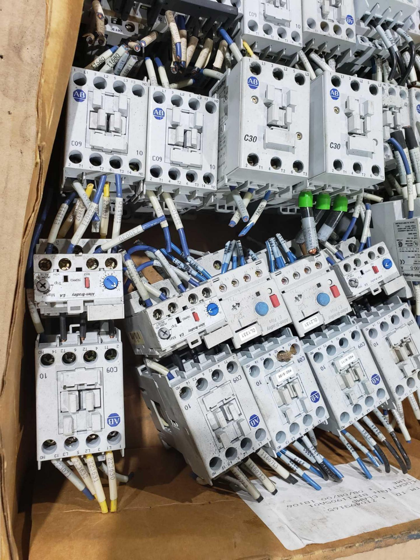 Lot 20 - Large Qty of Allen Bradley Contactors in assorted sizes and part numbers.