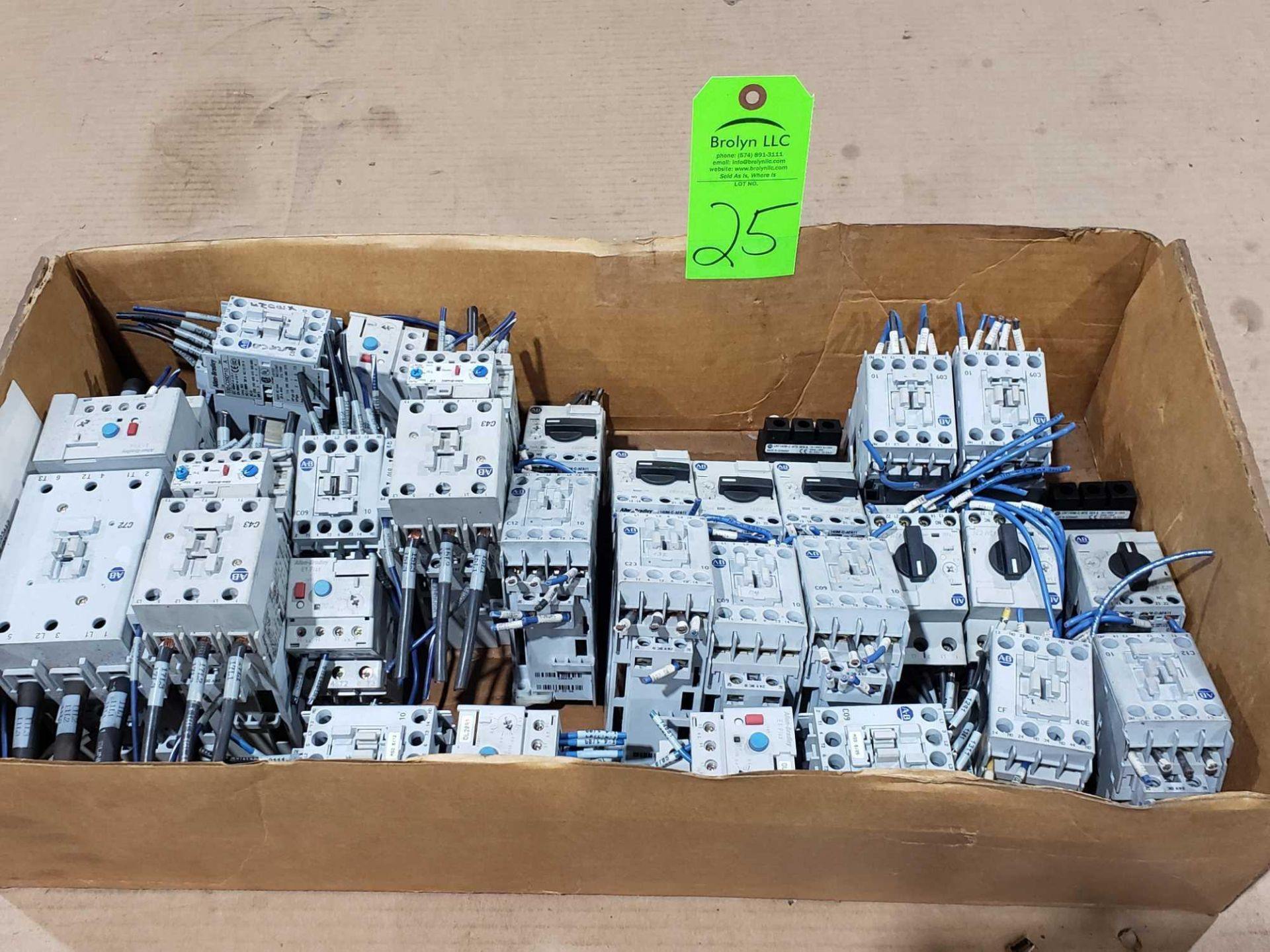 Lot 25 - Large Qty of Allen Bradley Contactors in assorted sizes and part numbers.