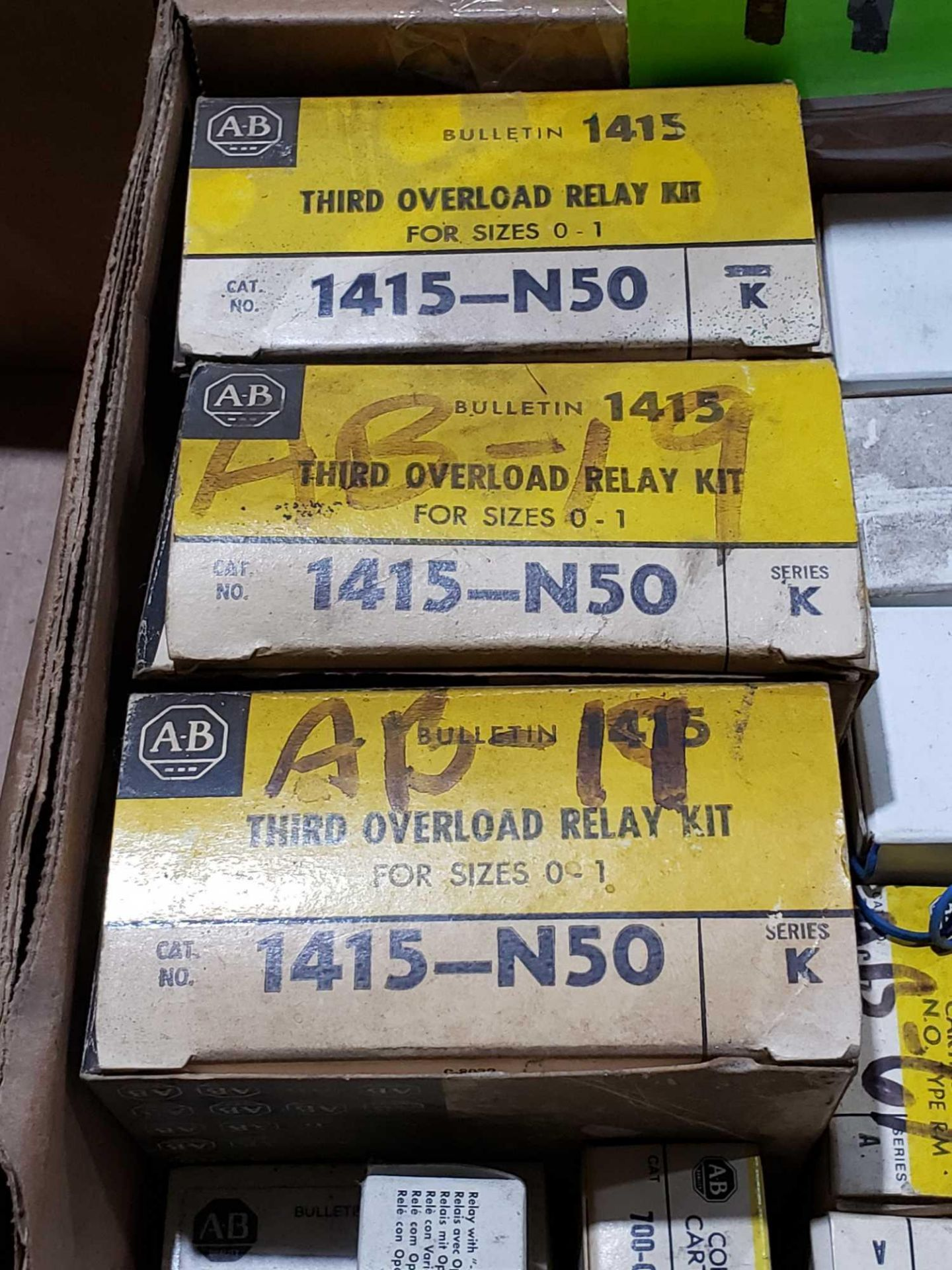 Lotto 49 - Large Qty of assorted Allen Bradley parts. New in boxes.