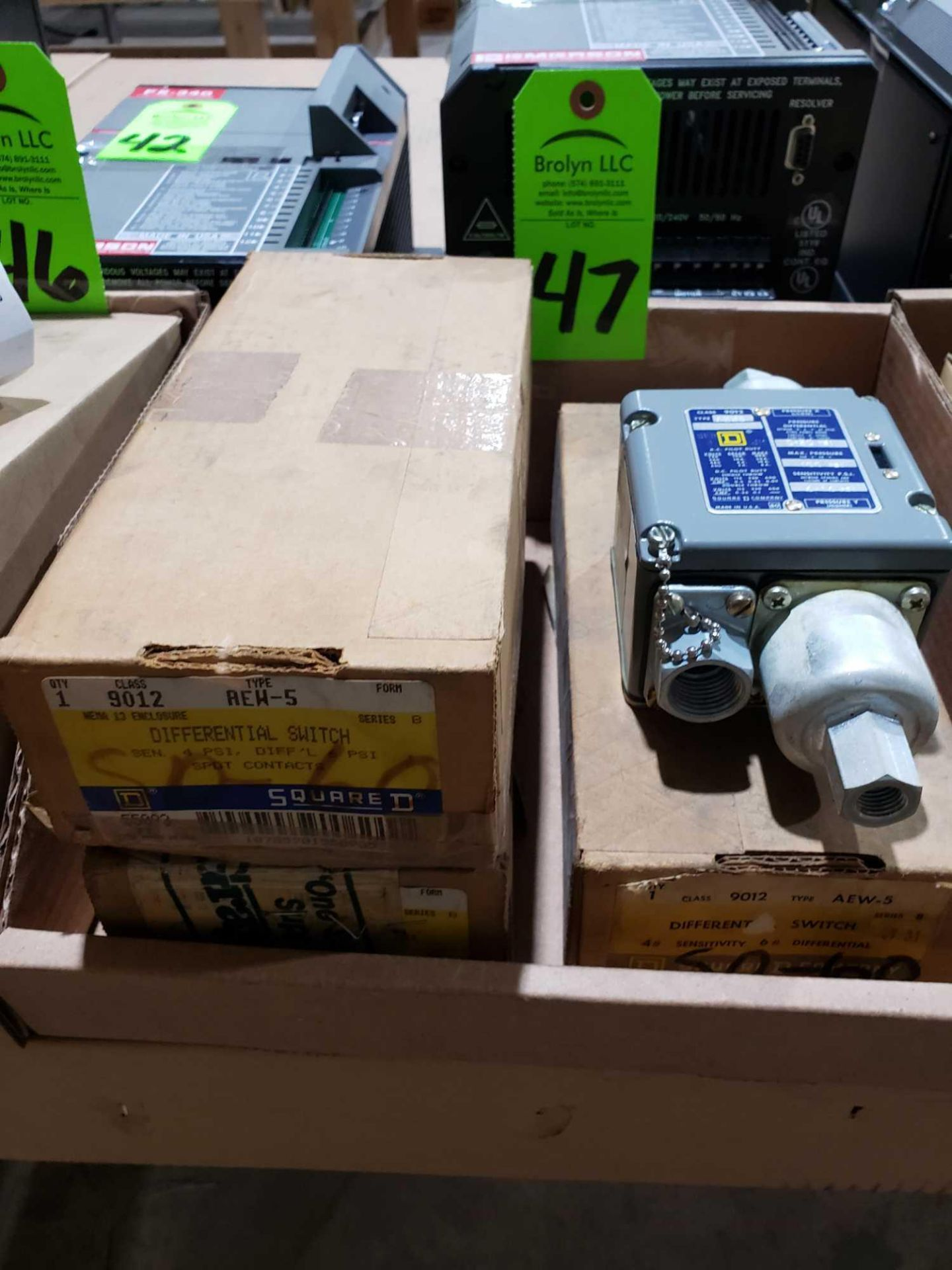 Lot 47 - Qty 3 - Square D model 9012-AEW-5 pressure switch. New in boxes.
