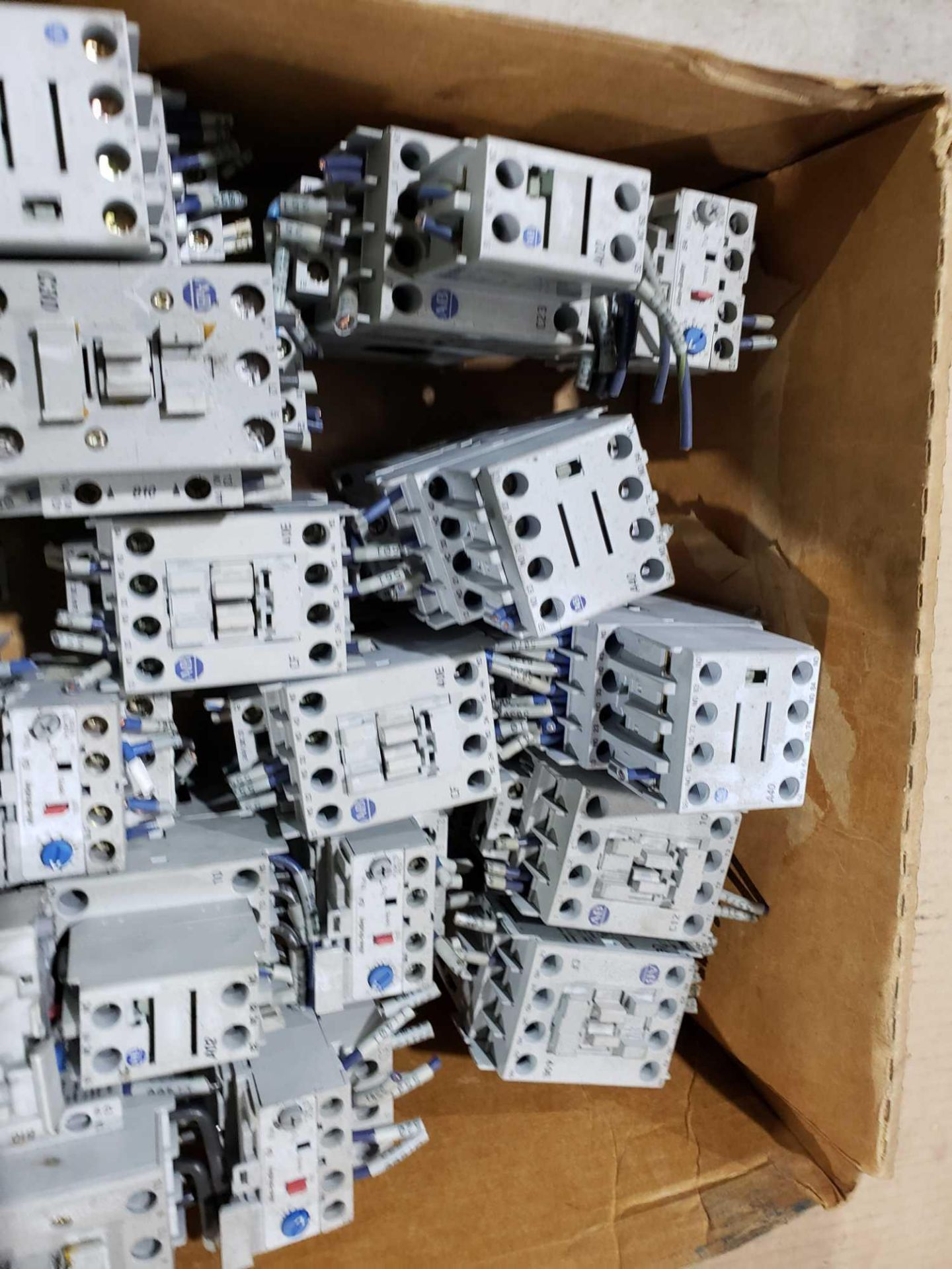 Lot 27 - Large Qty of Allen Bradley Contactors in assorted sizes and part numbers.