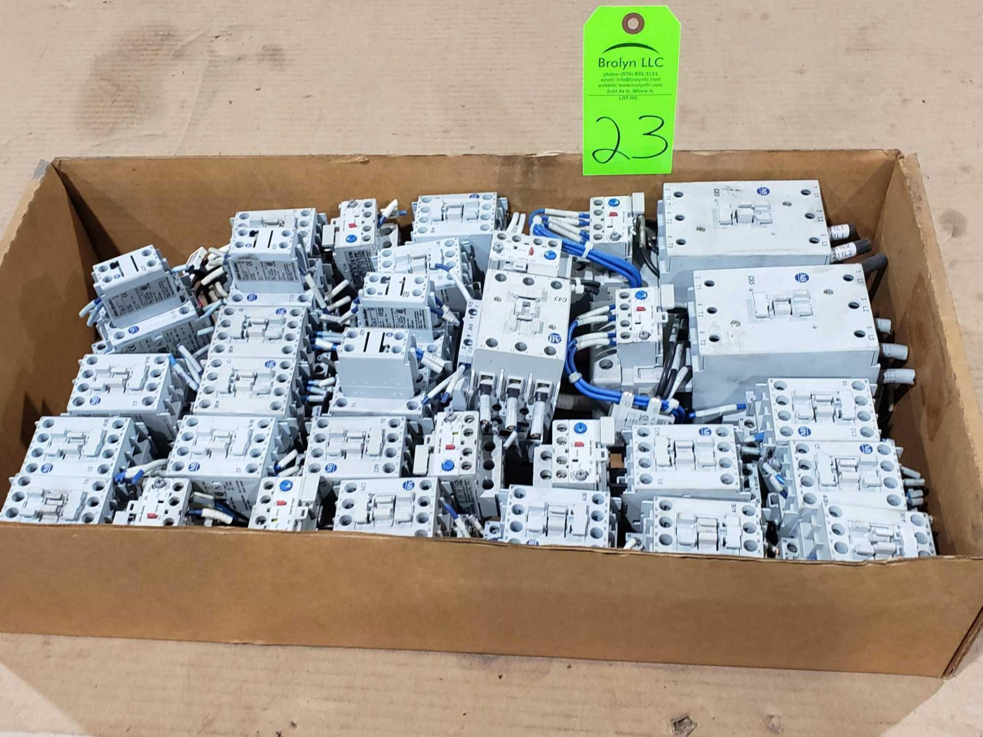 Lot 23 - Large Qty of Allen Bradley Contactors in assorted sizes and part numbers.