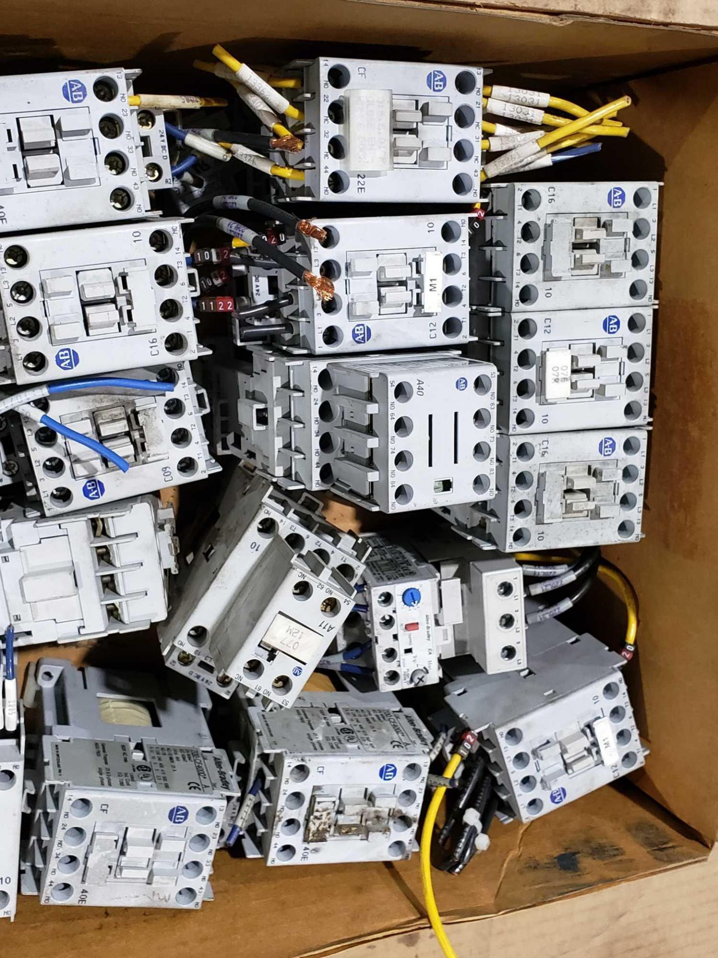 Lot 36 - Large Qty of Allen Bradley Contactors in assorted sizes and part numbers.
