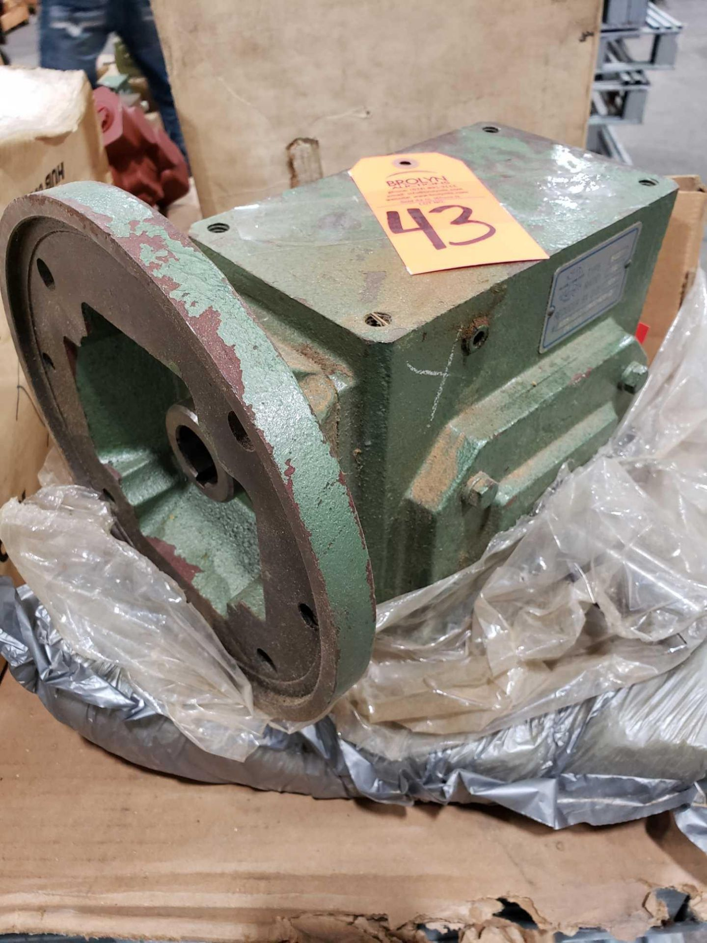 Lot 43 - Worldwide Electric Corp gear box Type FCQY, ratio 10 reducer size 325.