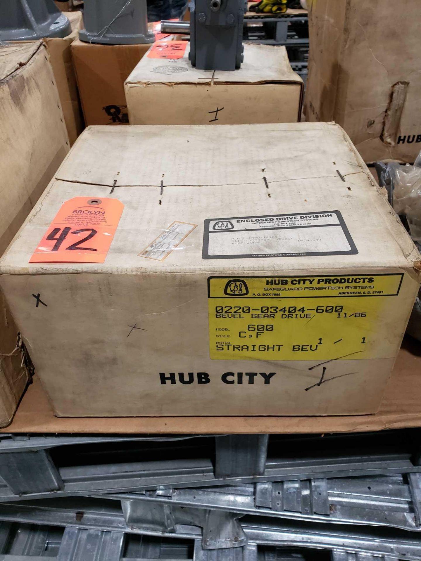 Lot 42 - Hub City model 0220-03404-600 bevel gear drive. Model 600 style C.F. 1:1 ratio.