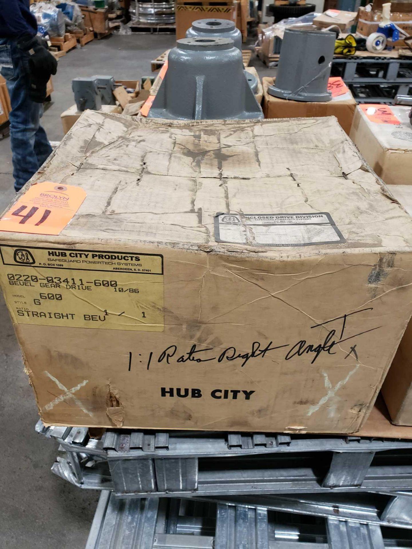 Lot 41 - Hub City model 0220-03411-600 bevel gear drive. Model 600 style G. 1:1 ratio.
