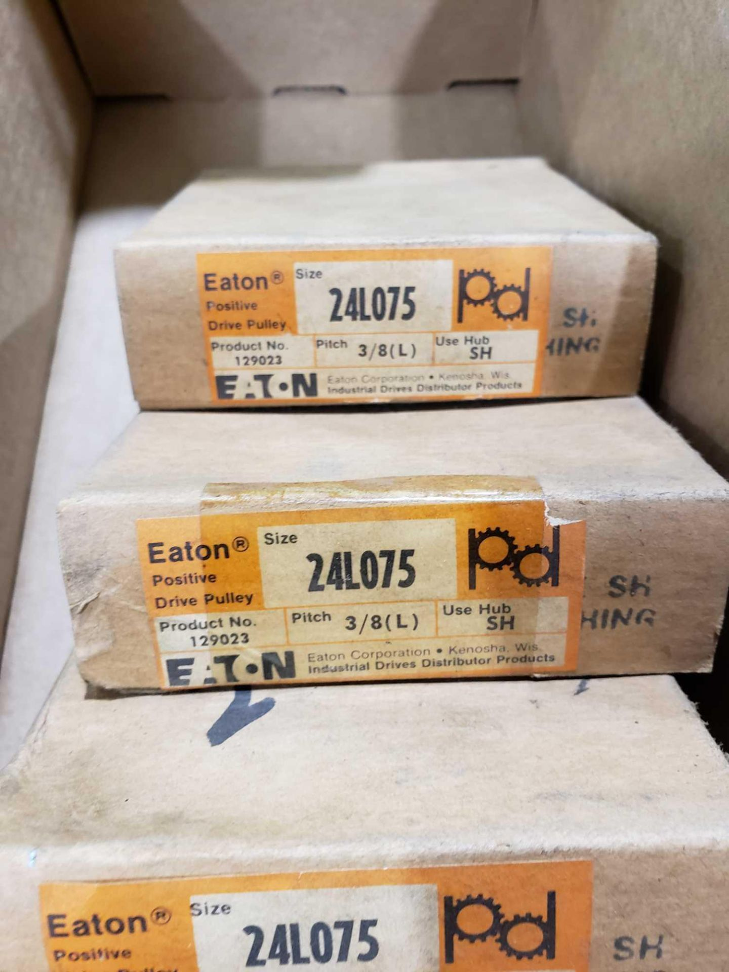 Lot 14 - Qty 4 - Eaton part number 24L075-SDS pulley. New in box.