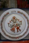 Twelve Spode Christmas Picture Plates, Boxed, (12)