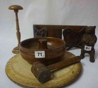A Mixed Lot of Collectable Wood Items, to include an oak gavel with stand, book slide, bread